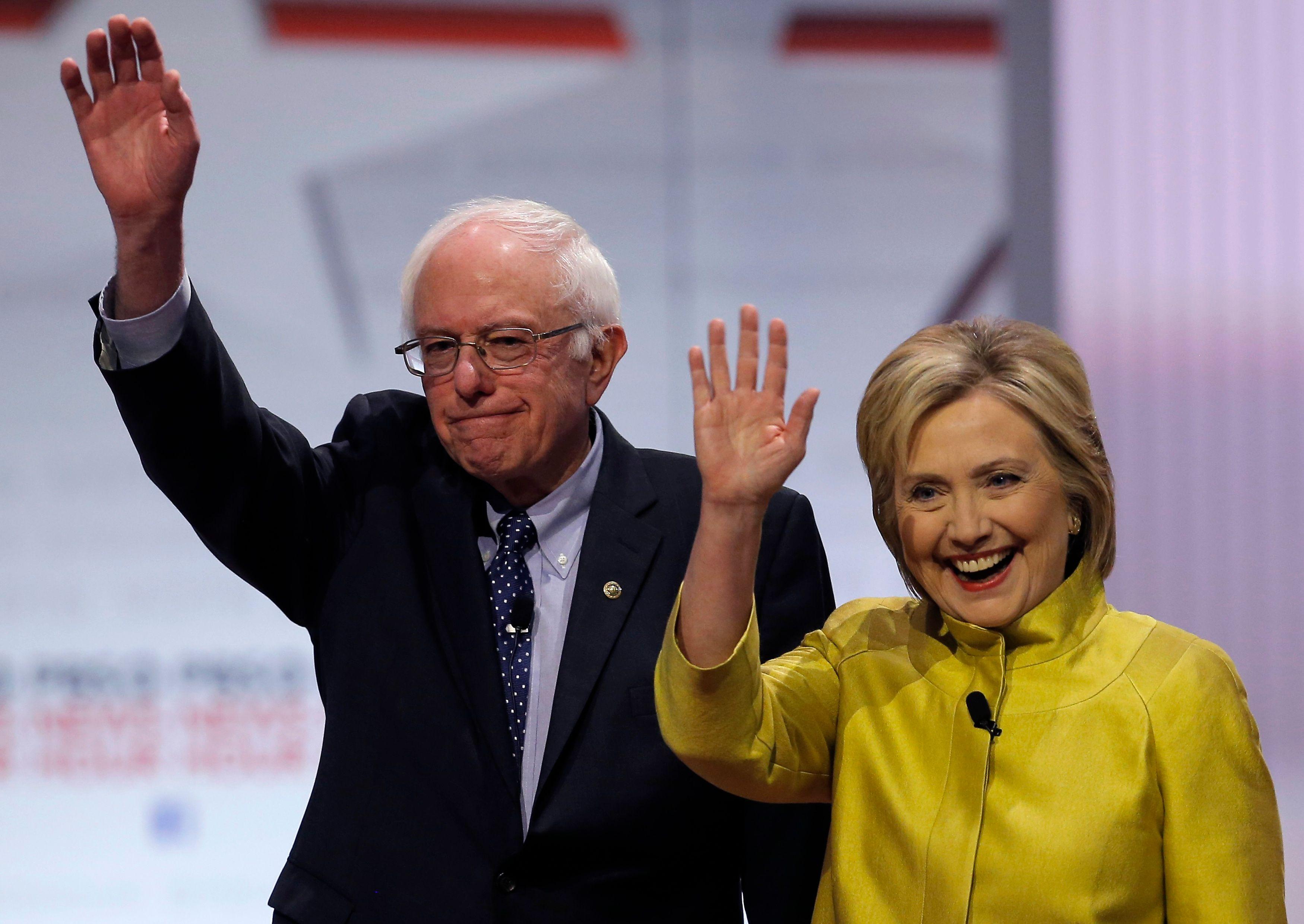 Présidentielle américaine : Bernie Sanders se rallie (enfin) à Hillary Clinton