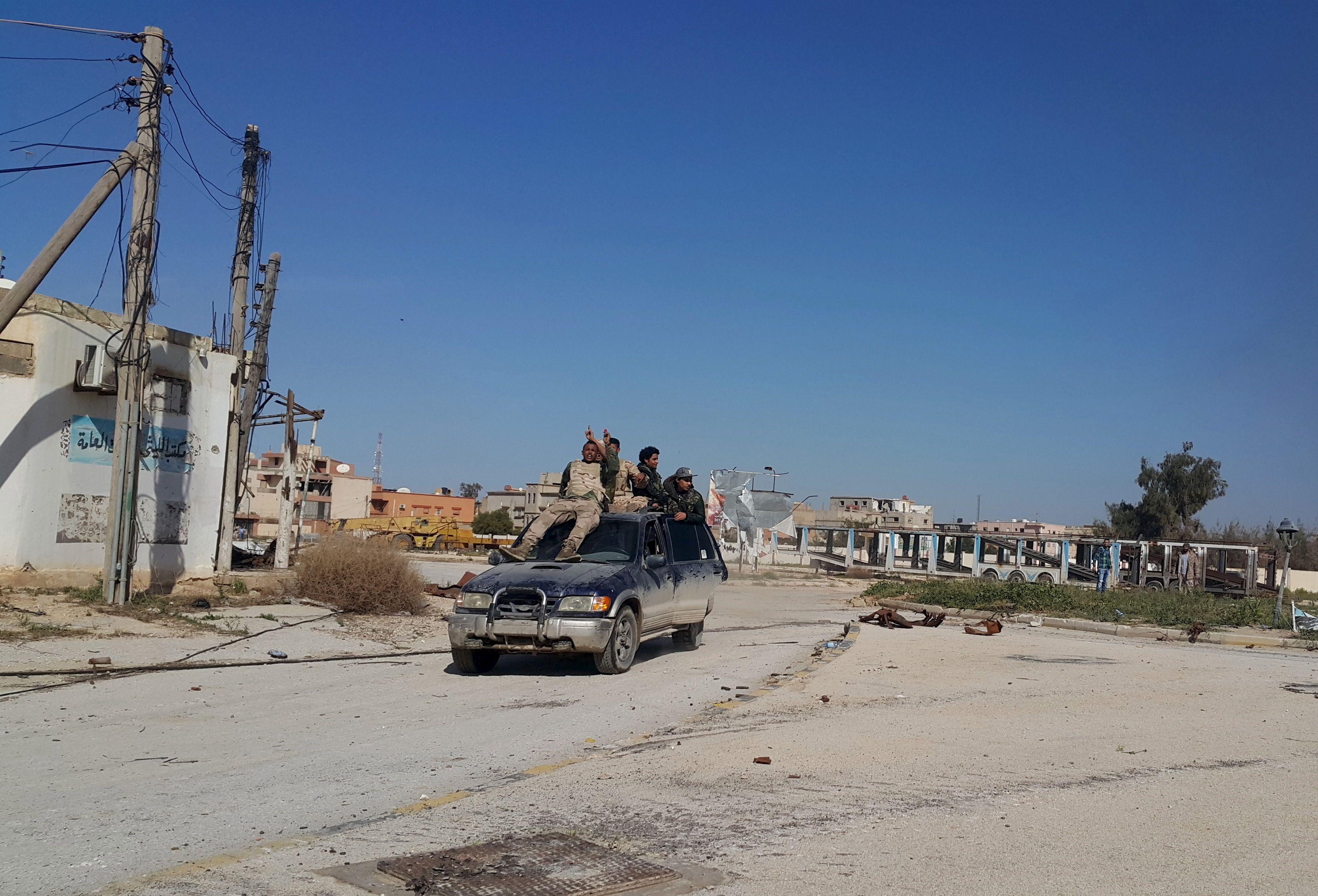 La France est-elle en train de préparer une intervention militaire directe en Libye, dans la foulée de ses opérations (plus trop) secrètes contre l'Etat islamique ?
