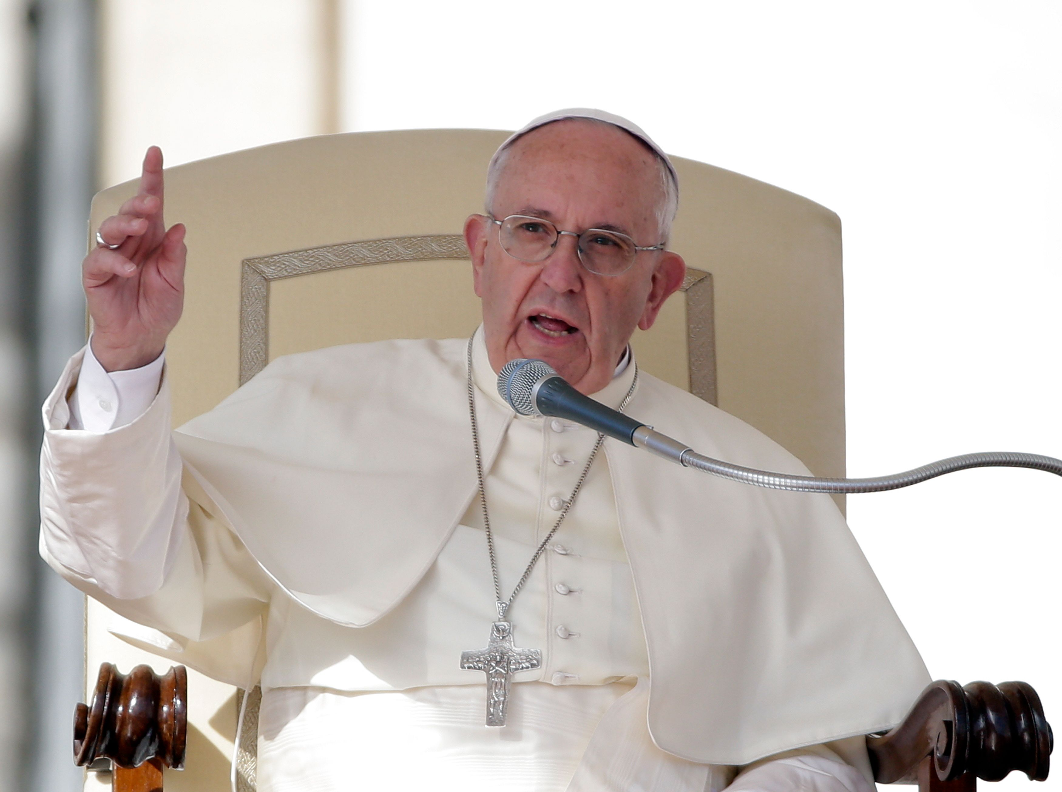 """Le pape François s'attaque aux """"fake news"""""""