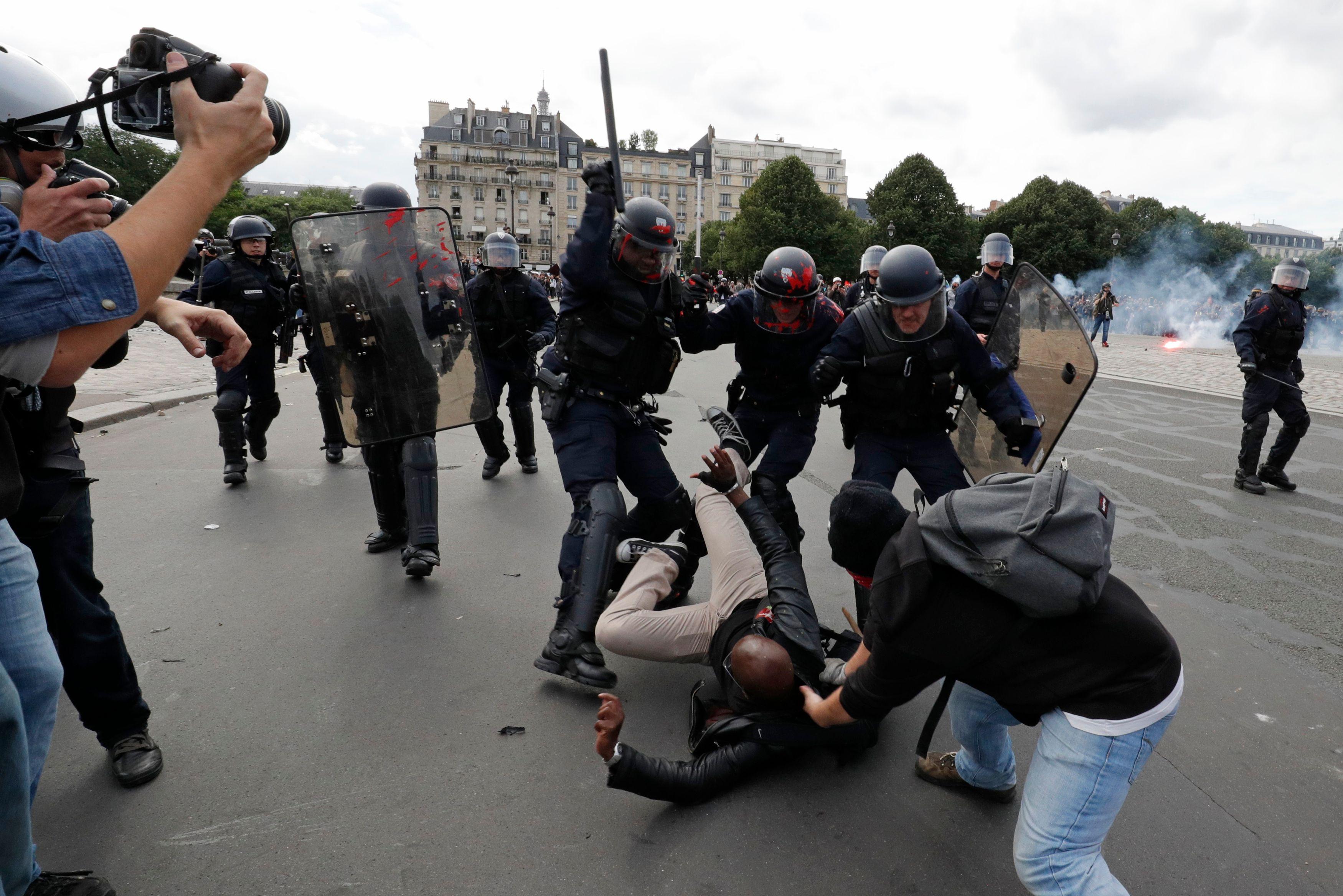 Manifestation autorisée in extremis à la Bastille : pourquoi le gouvernement ne mérite pas un procès en démocratie mais en incompétence politique, sociale et juridique