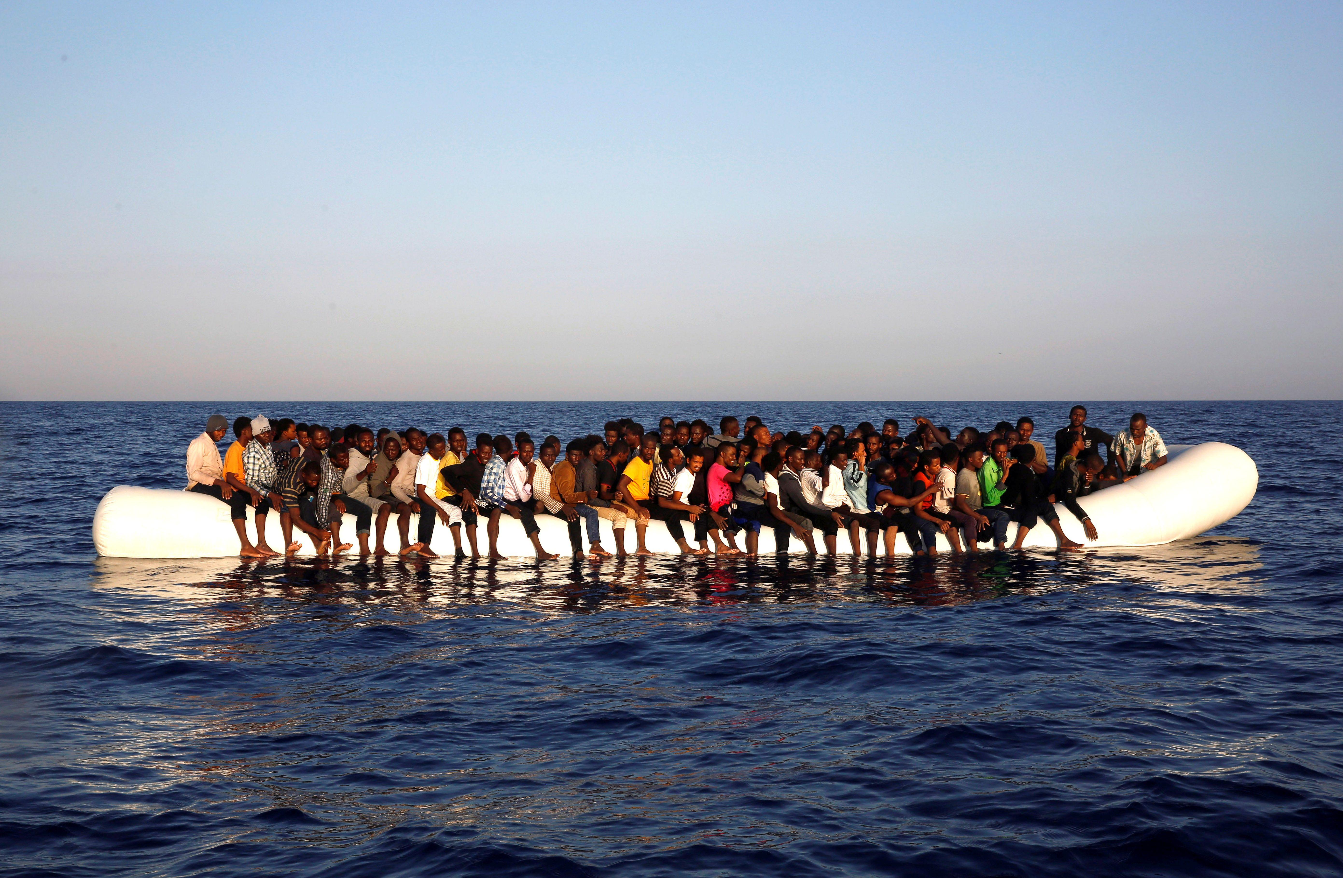 1 million de migrants venus d'Afrique seraient en route pour l'Europe... et les dirigeants européens s'apprêtent à commettre les mêmes erreurs que dans le passé