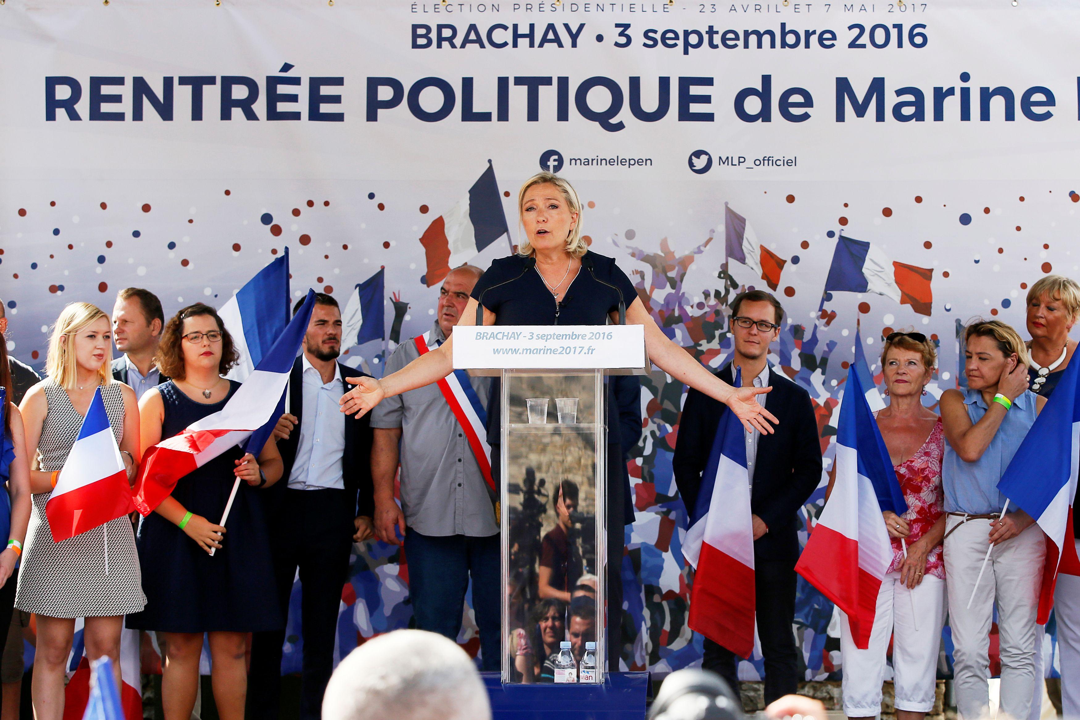 Front national : pour financer sa campagne, Marine Le Pen fait appel… à son père