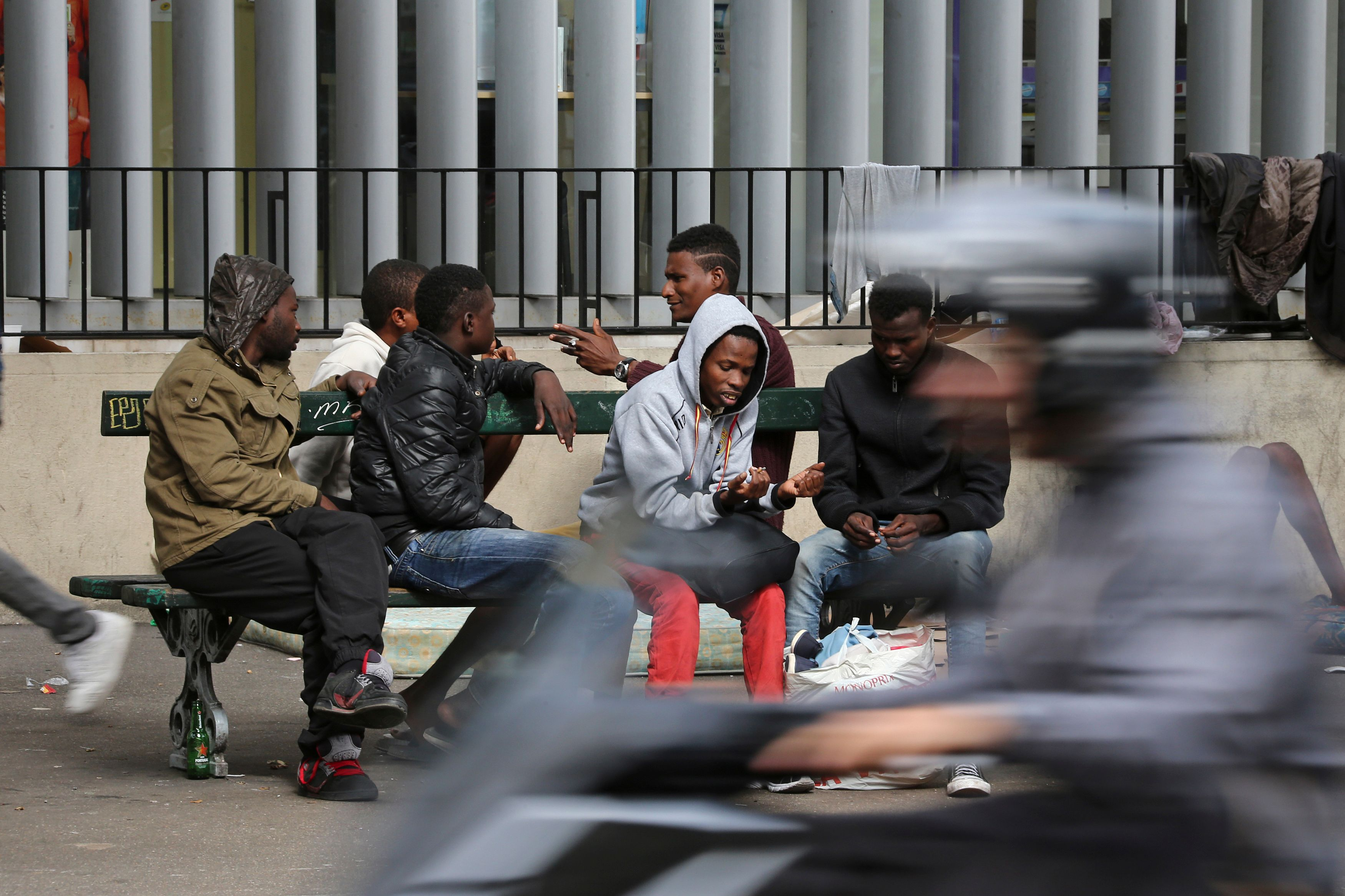 Saturation des centres d'accueil : ces migrants déboutés du droit d'asile par l'Allemagne et qui débarquent à Paris