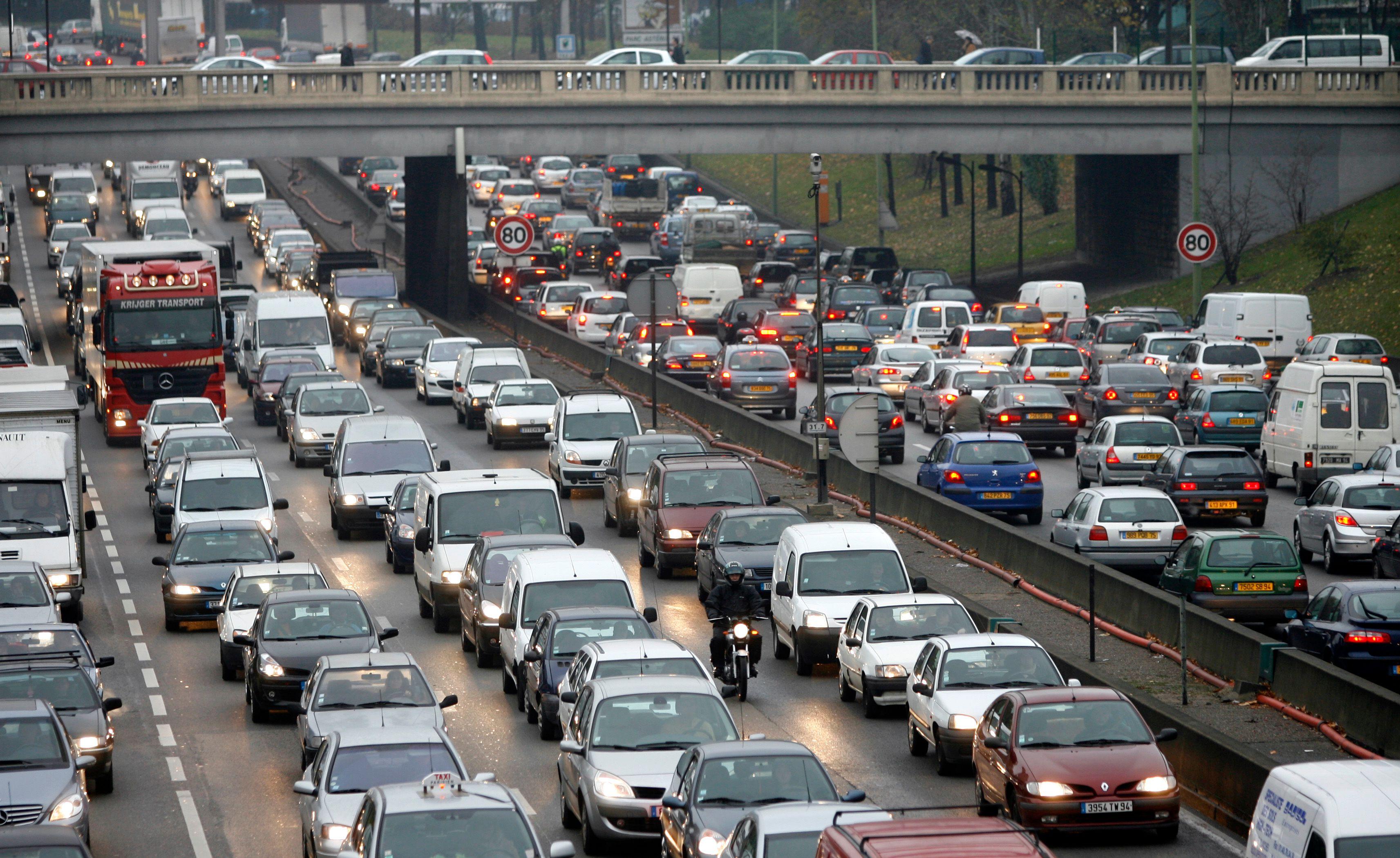 Les routes des vacances en orage et rouge ce week-end