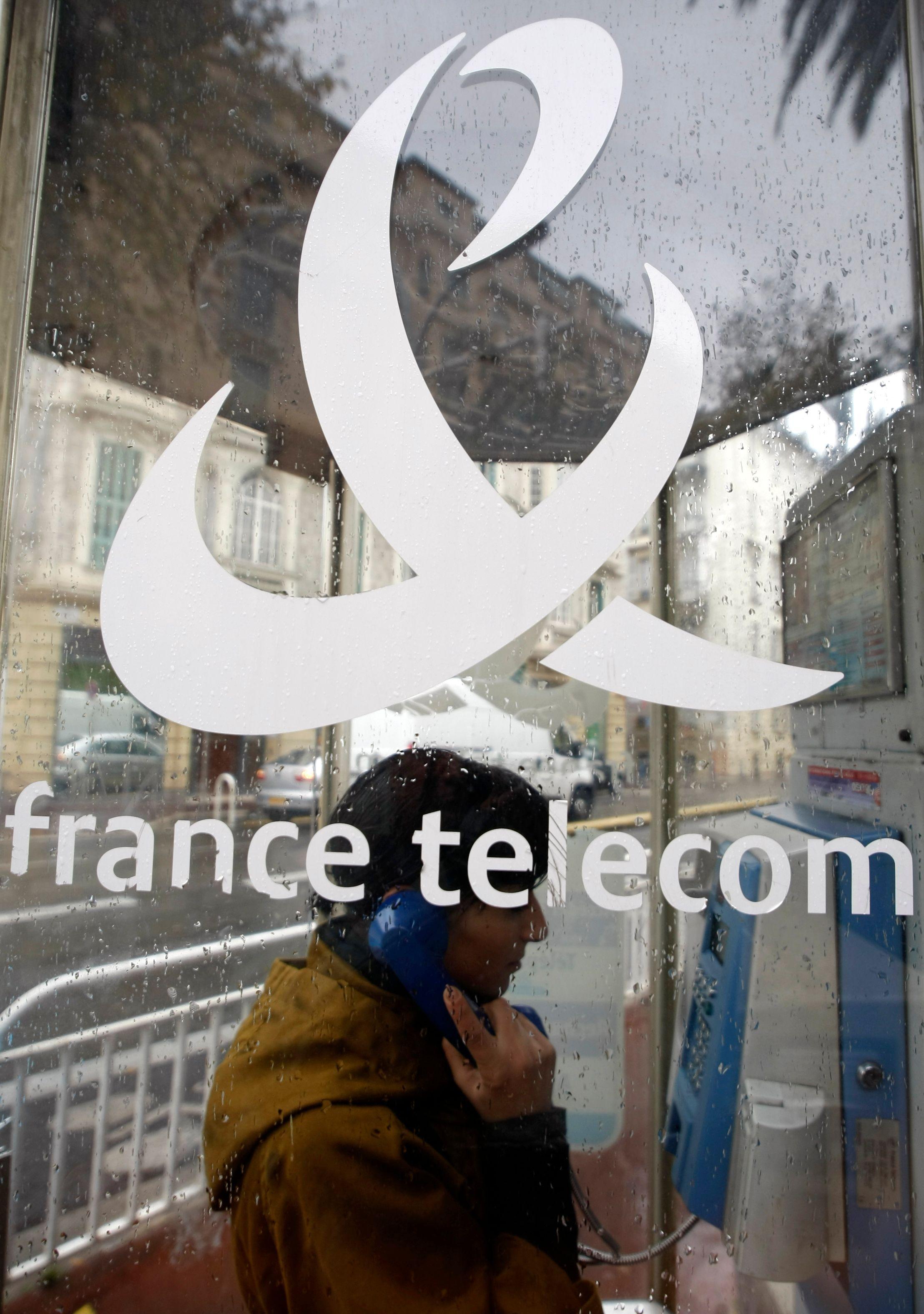 Vers la fin des cabines téléphoniques en France