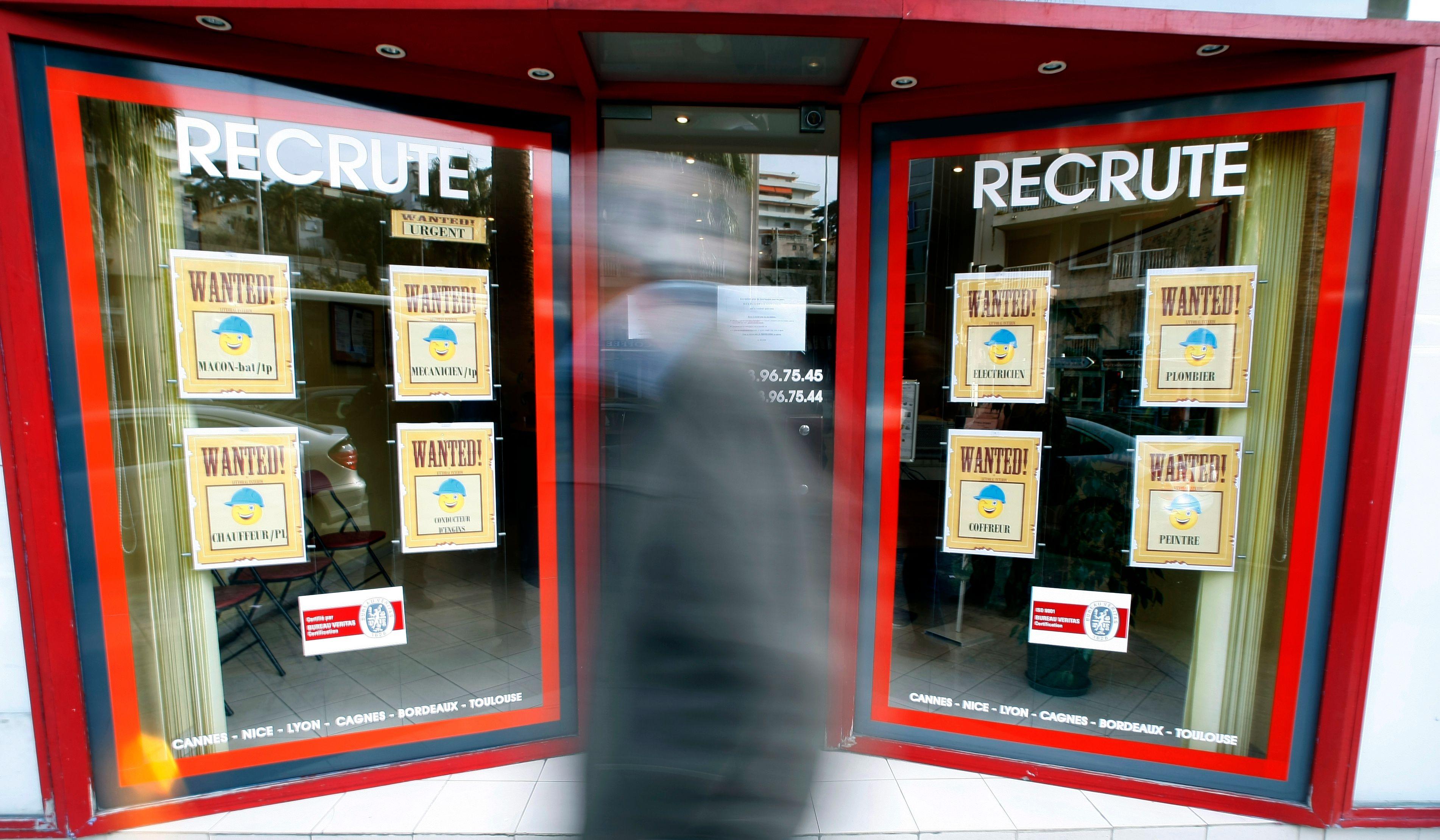 Relèvement des indemnités de licenciement et doublement du plafond des auto-entrepreneurs : ces mauvaises surprises de la rentrée pour l'emploi dans les PME