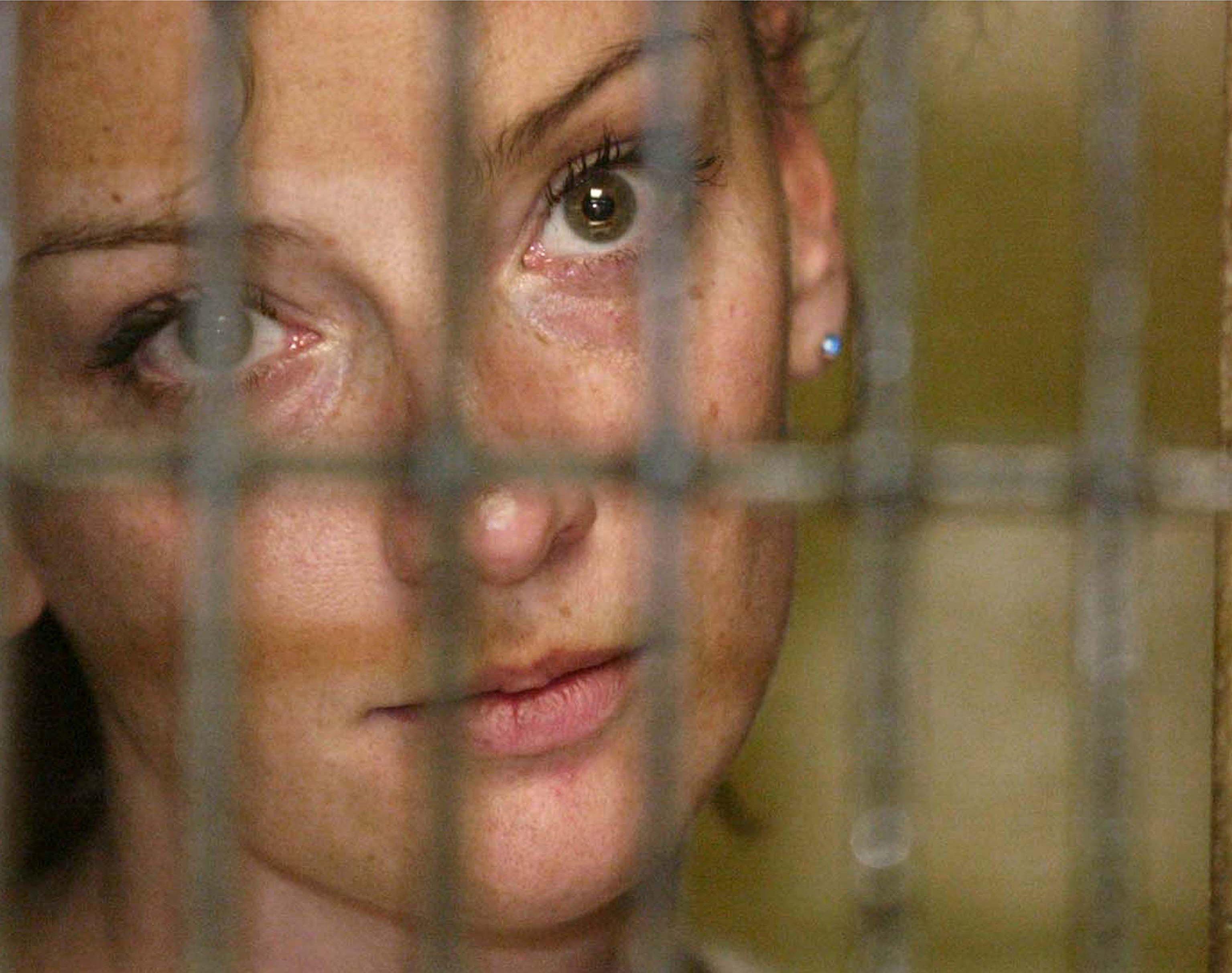 La Française de 38 ans avait été condamnée, en 2009, à une peine de soixante ans de prison pour enlèvement, délinquance organisée et port d'armes prohibées.