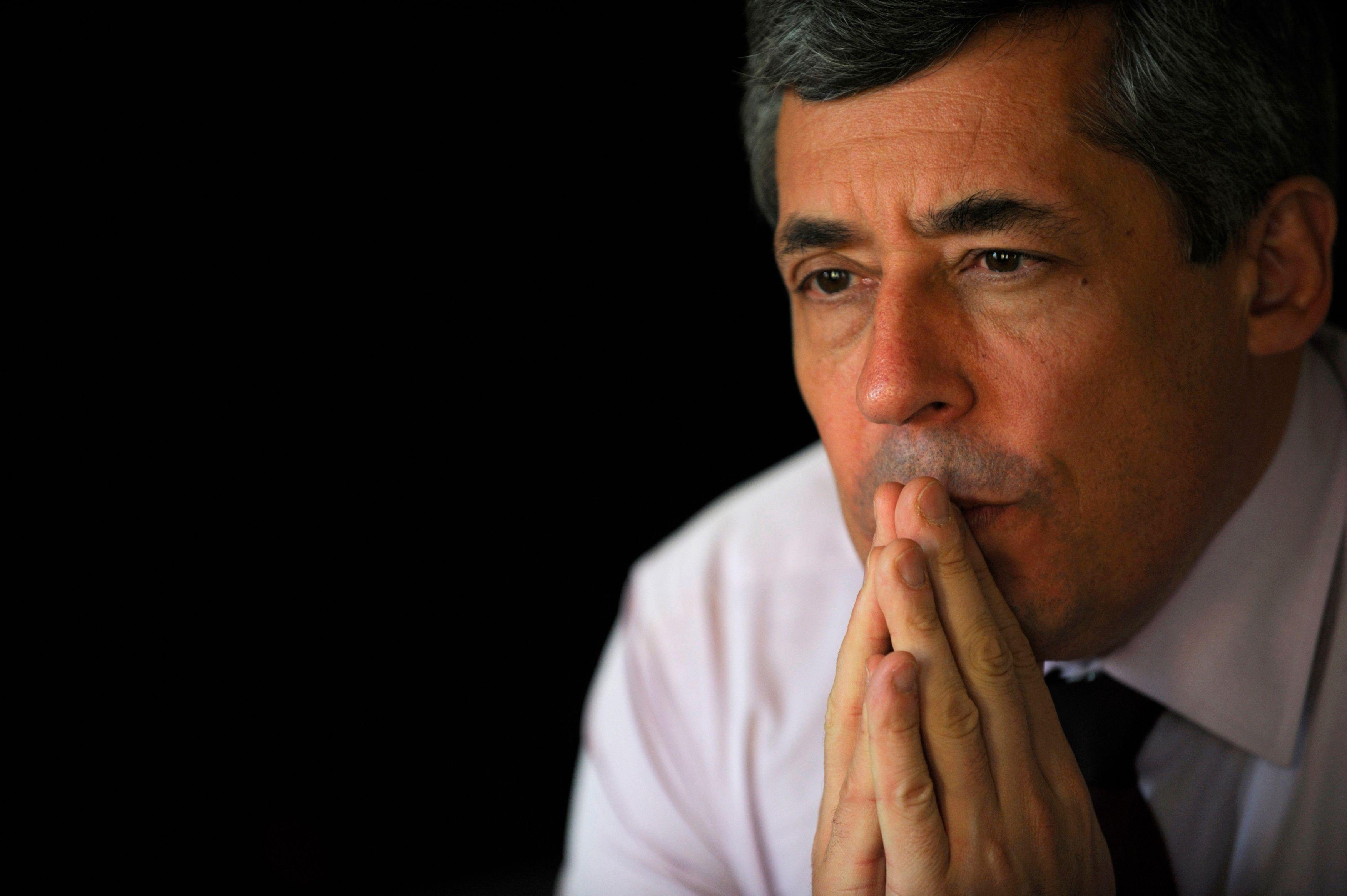 Henri Guaino estime que les grands partis peuvent mourir s'ils ne font pas de la politique autrement