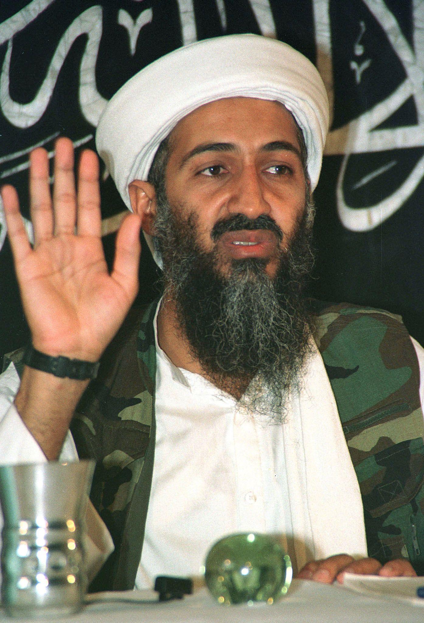 Dans plusieurs documents retrouvés dans l'ancienne cache de Ben Laden, ce dernier exprime les raisons pour lesquelles l'instauration d'un califat dans le monde est une erreur stratégique