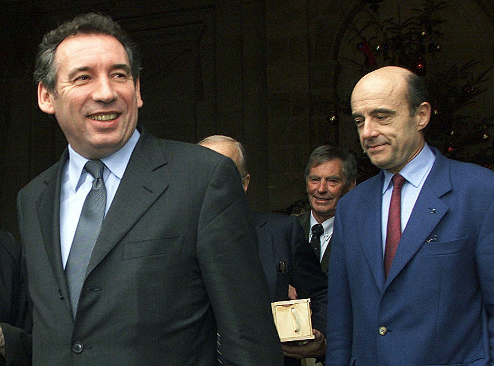 François Bayrou soutient désormais Alain Juppé pour la primaire de l'UMP