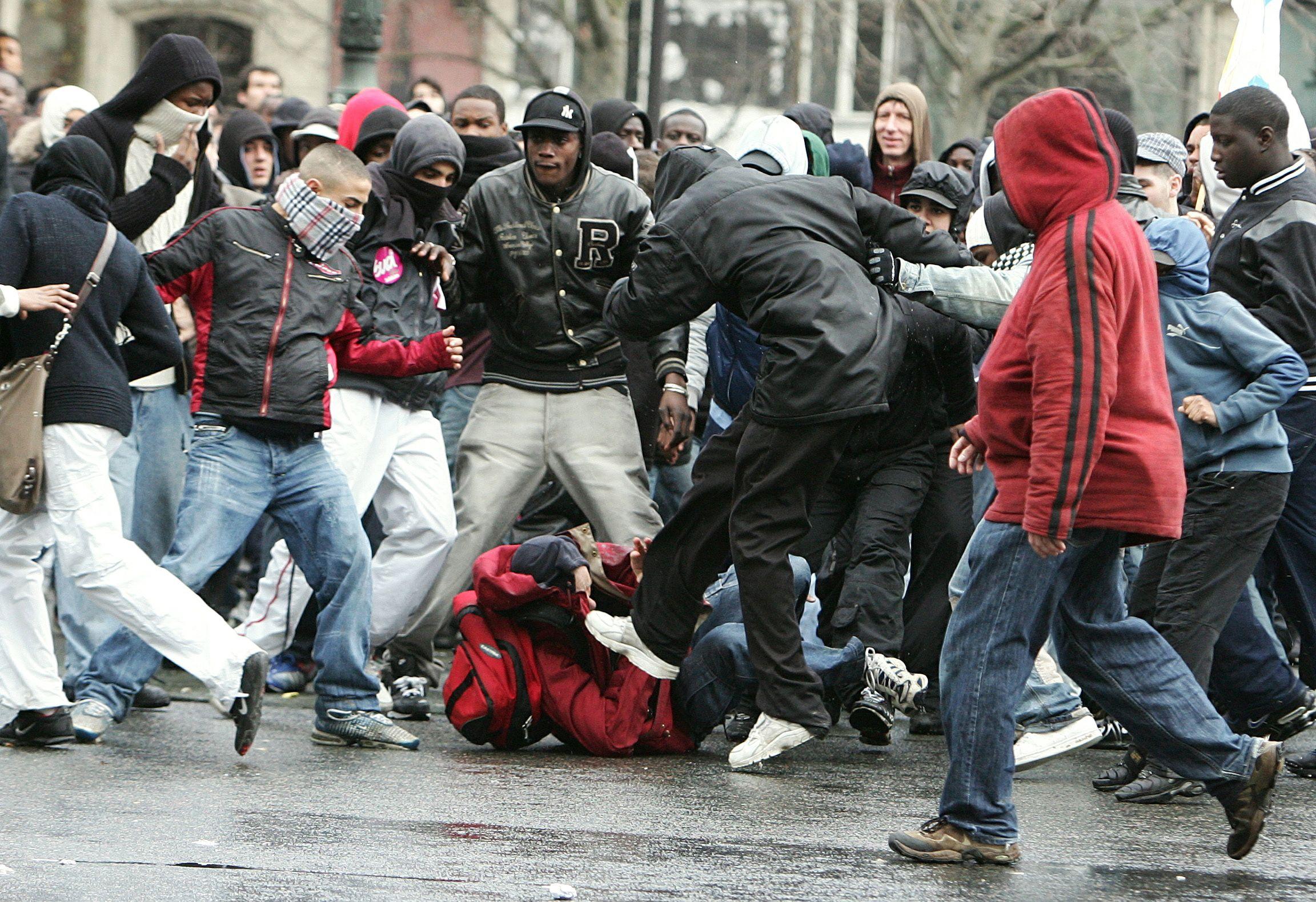 Les personnes exposées à la violence auraient plus de risques de devenir, à leur tour, plus violentes que les autres