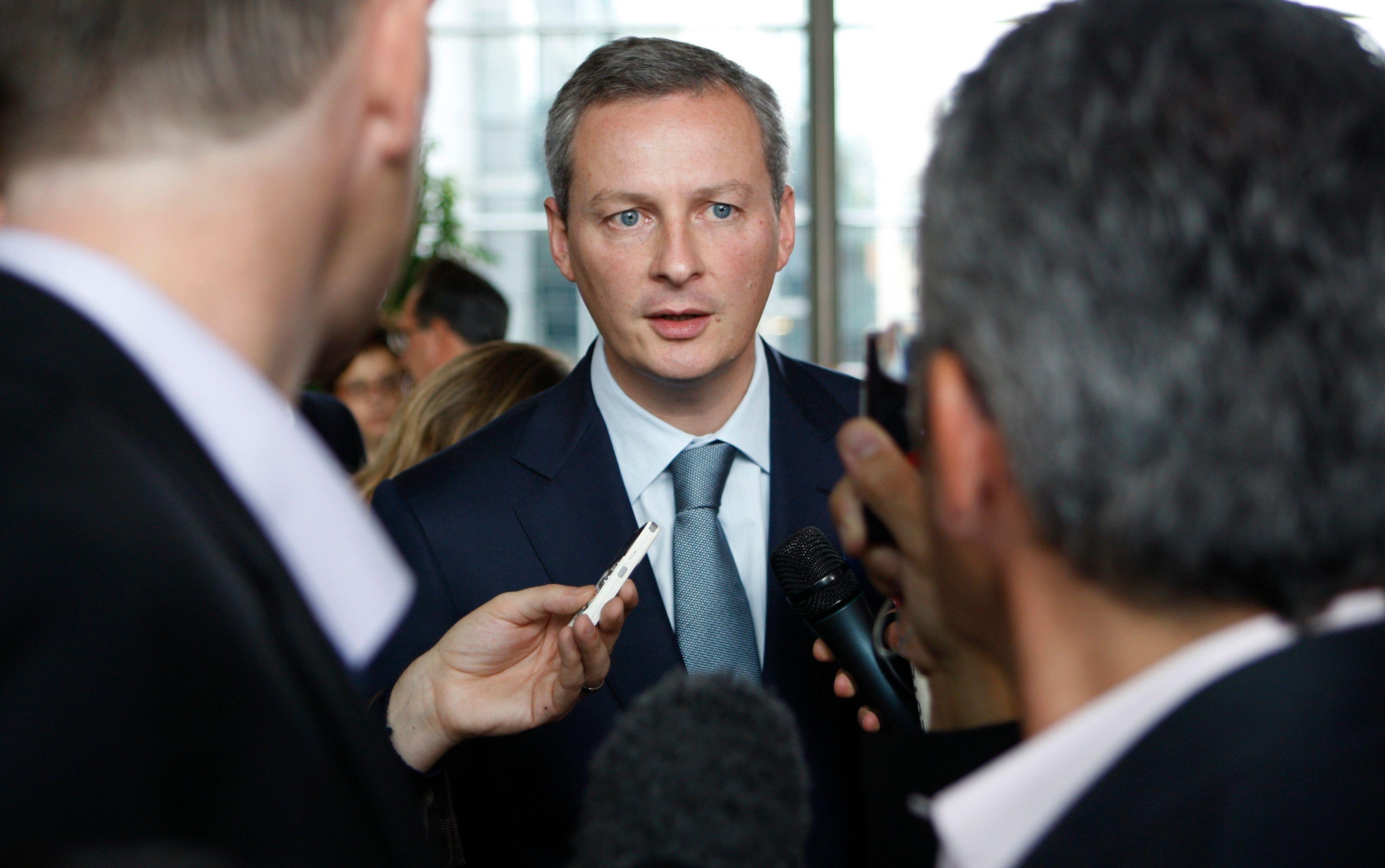 Pour l'ancien ministre, l'élection du président de l'UMP ne peut « se résumer à un duel Fillon-Copé ».