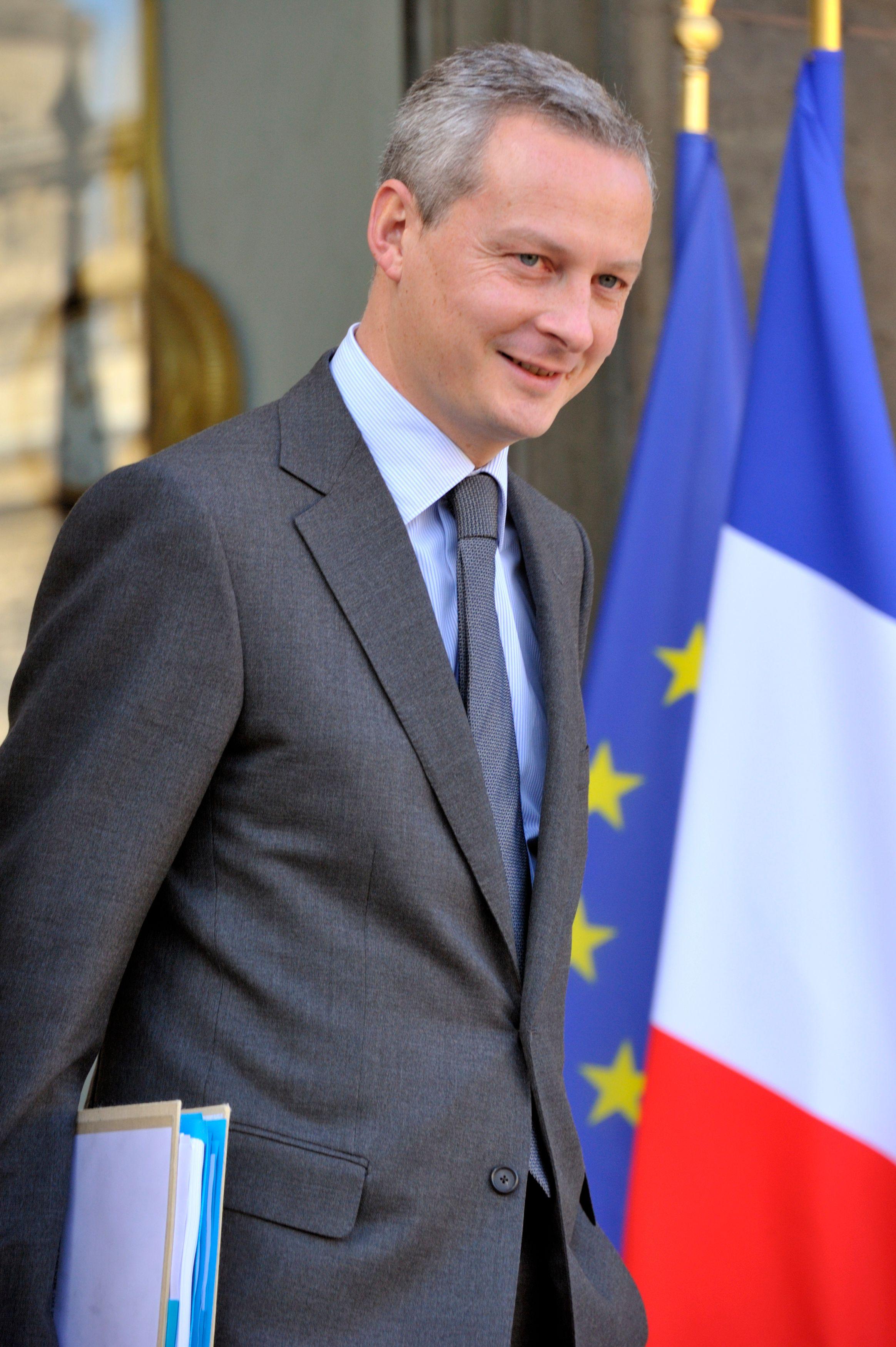 """Bruno Le Maire estime que """"pour le moment"""" le chef de l'État """"prend le sujet par le petit bout : la transparence"""""""