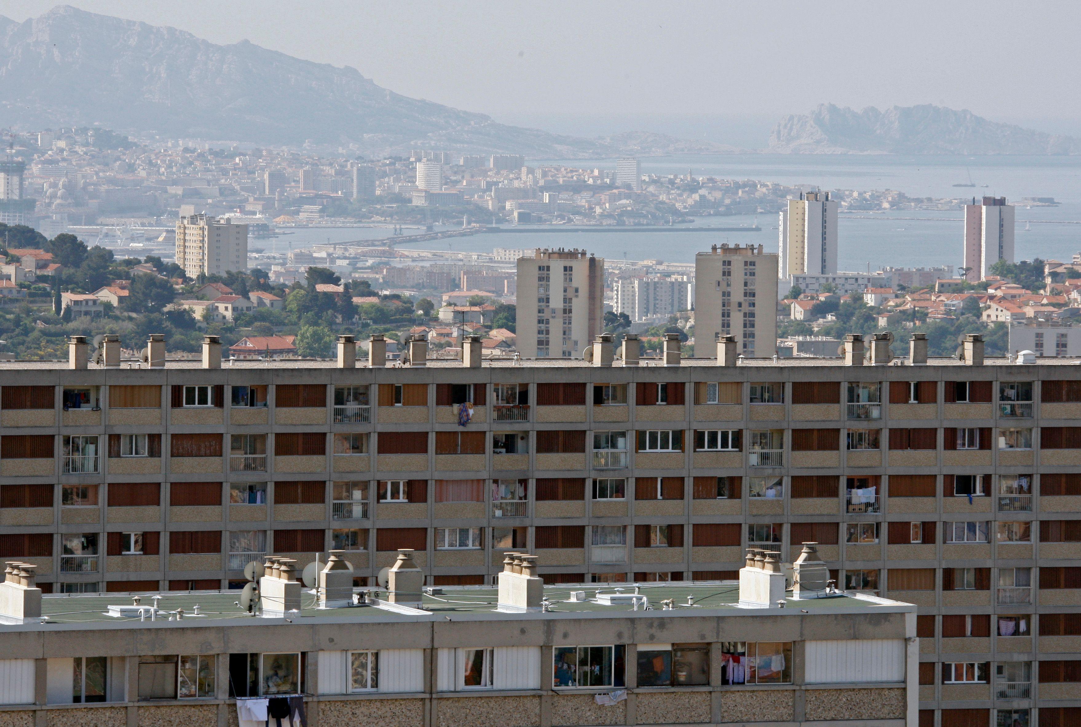 Pour Alain Bauer, Marseille est un concentré de criminalité sur un territoire réduit, avec la présence de cités au coeur de la ville.