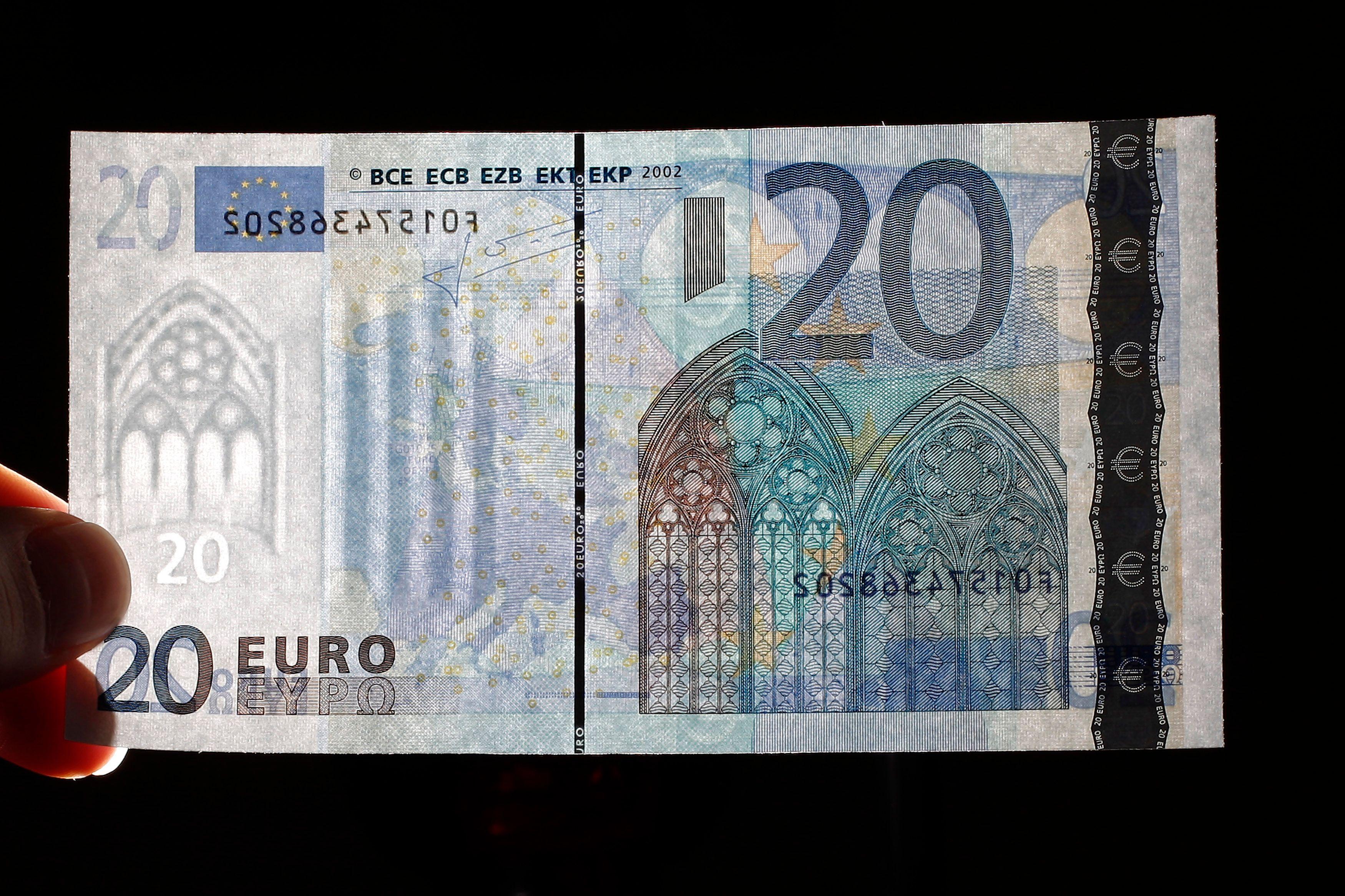 L'Eurobilltracker permet de pister n'importe quel billet sur la base des numéros de série qui l'identifient.