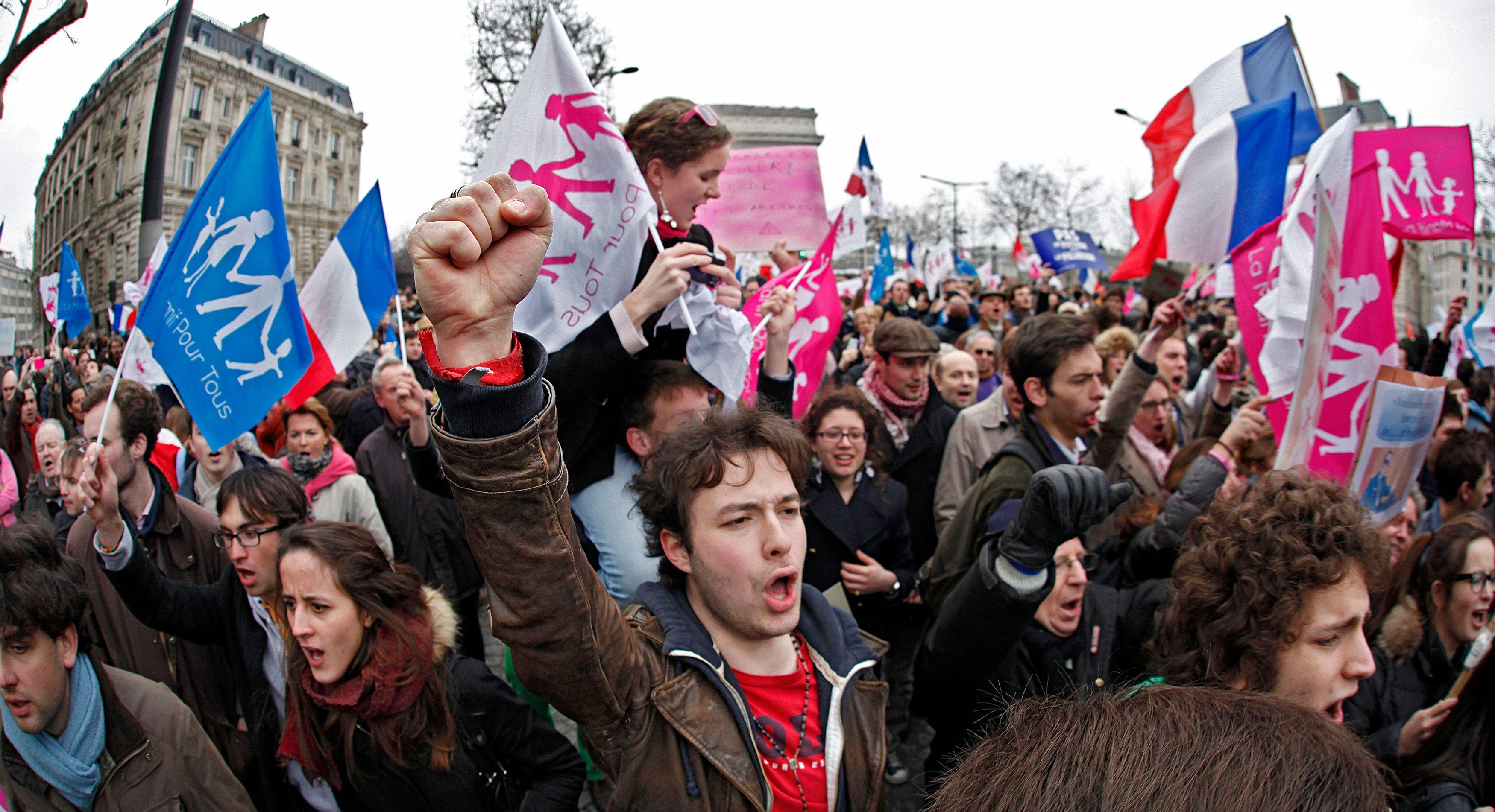 Manifestations contre l'incarcération de Nicolas, opposant au mariage gay