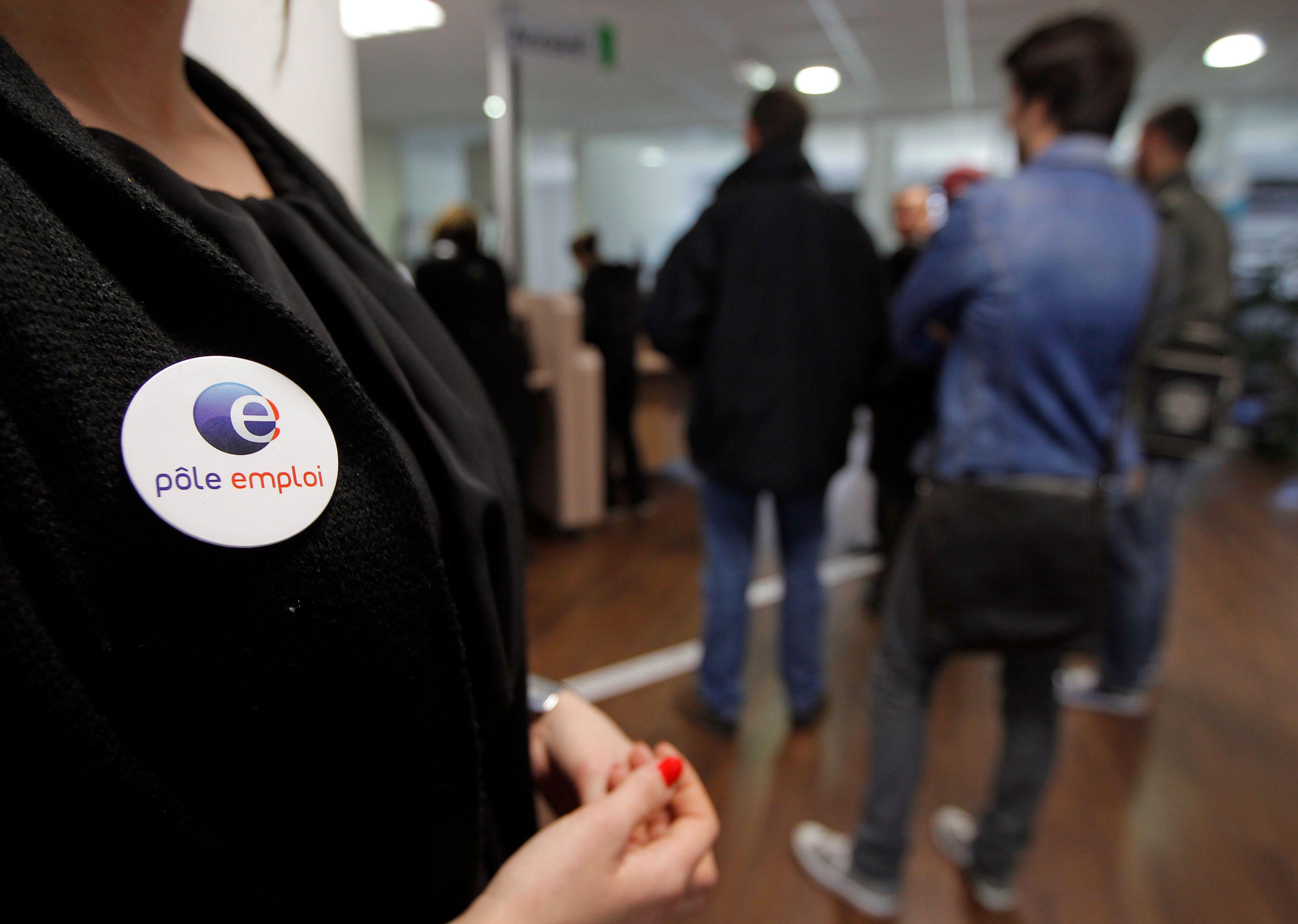 Le nouveau dispositif introduit une instance de contrôle chargée de documenter les activités de recherche d'emploi du chômeur.