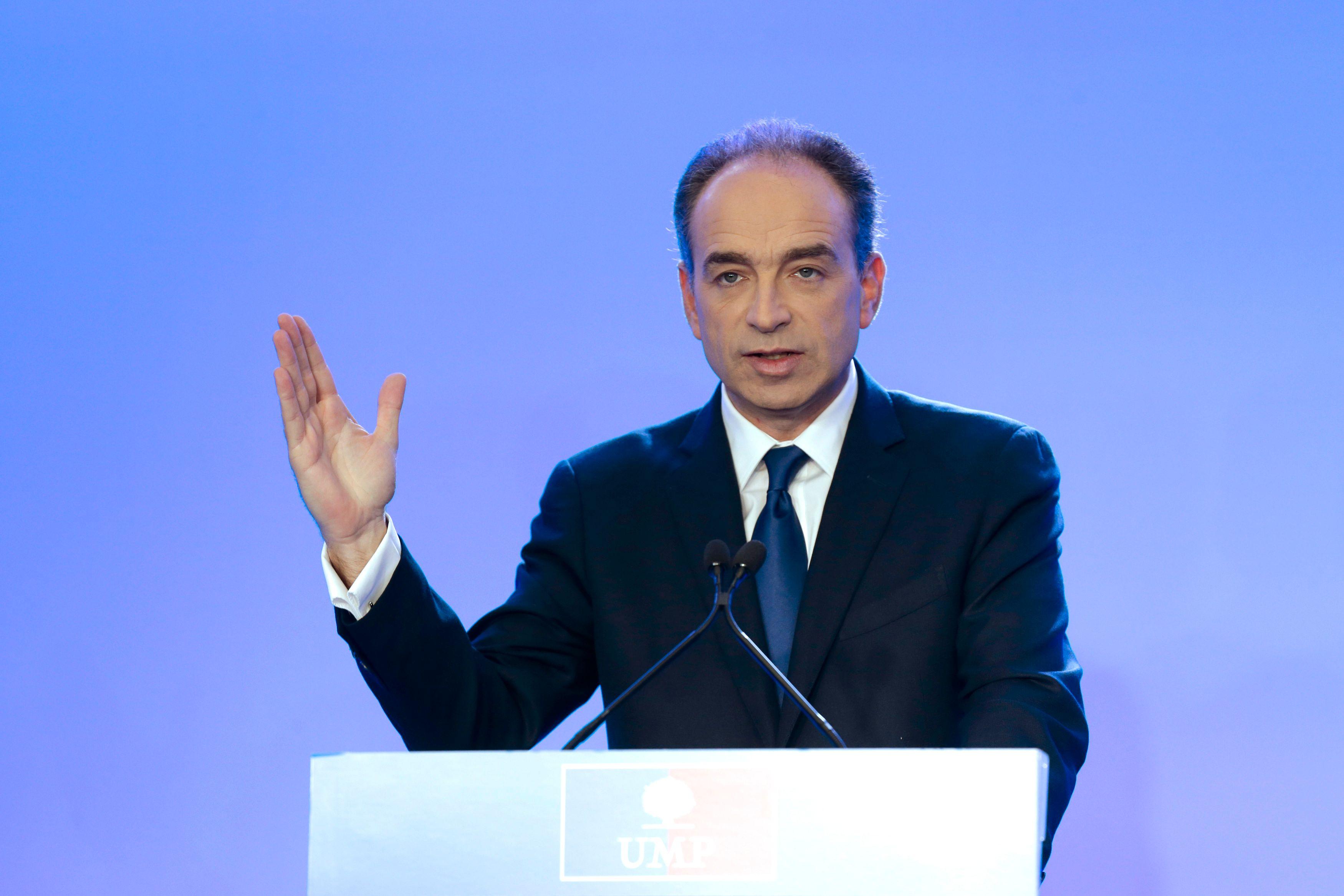 Jean-François Copé a indiqué ce mardi que Nicolas Sarkozy devrait passer par la primaire UMP s'il souhaitait être candidat en 2017