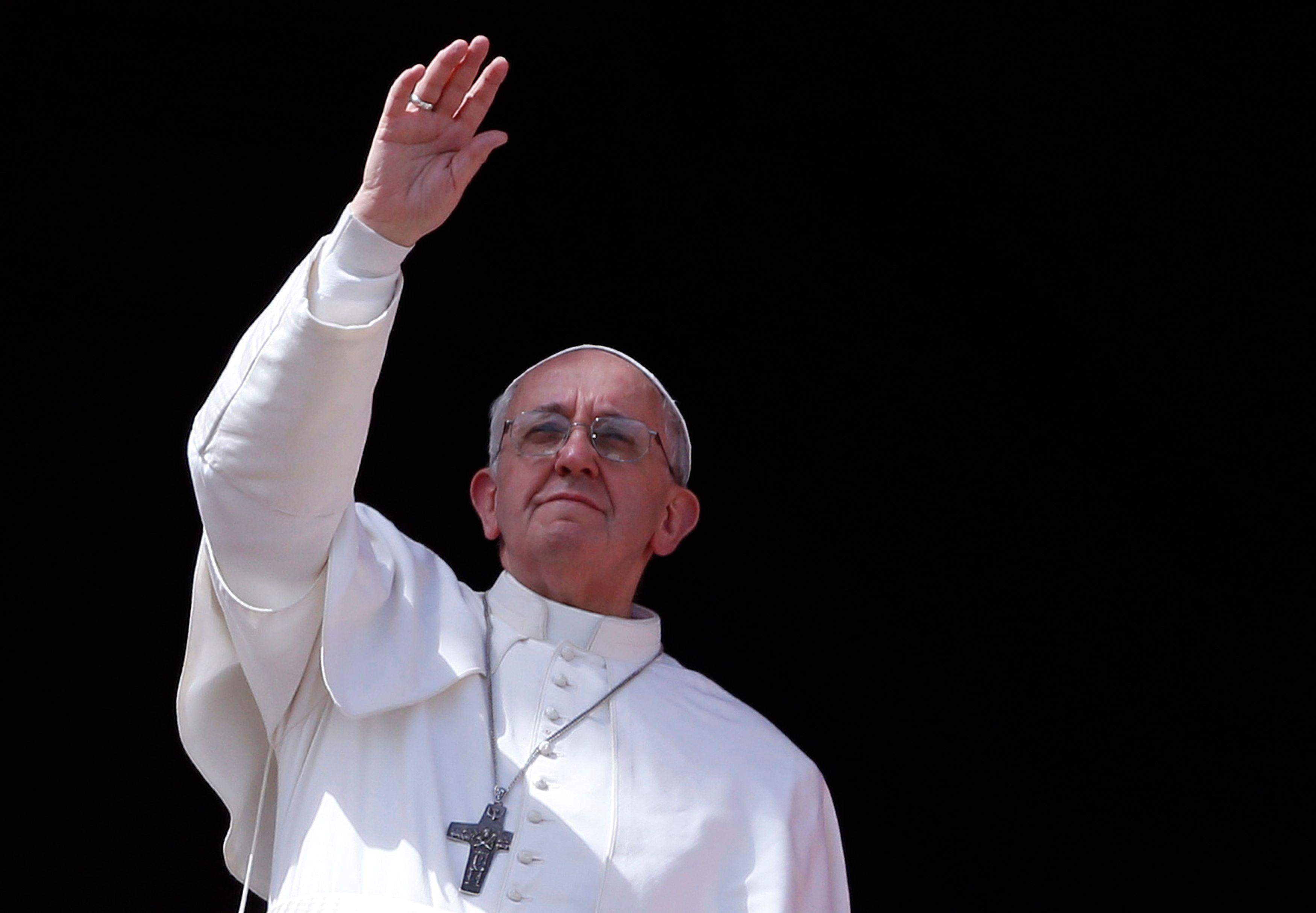Dans l'avion du retour de son voyage en Corée du Sud, le pape François a mentionné aux journalistes l'éventualité d'une démission au cas où il ne se sentait plus à même d'assurer ses fonctions.