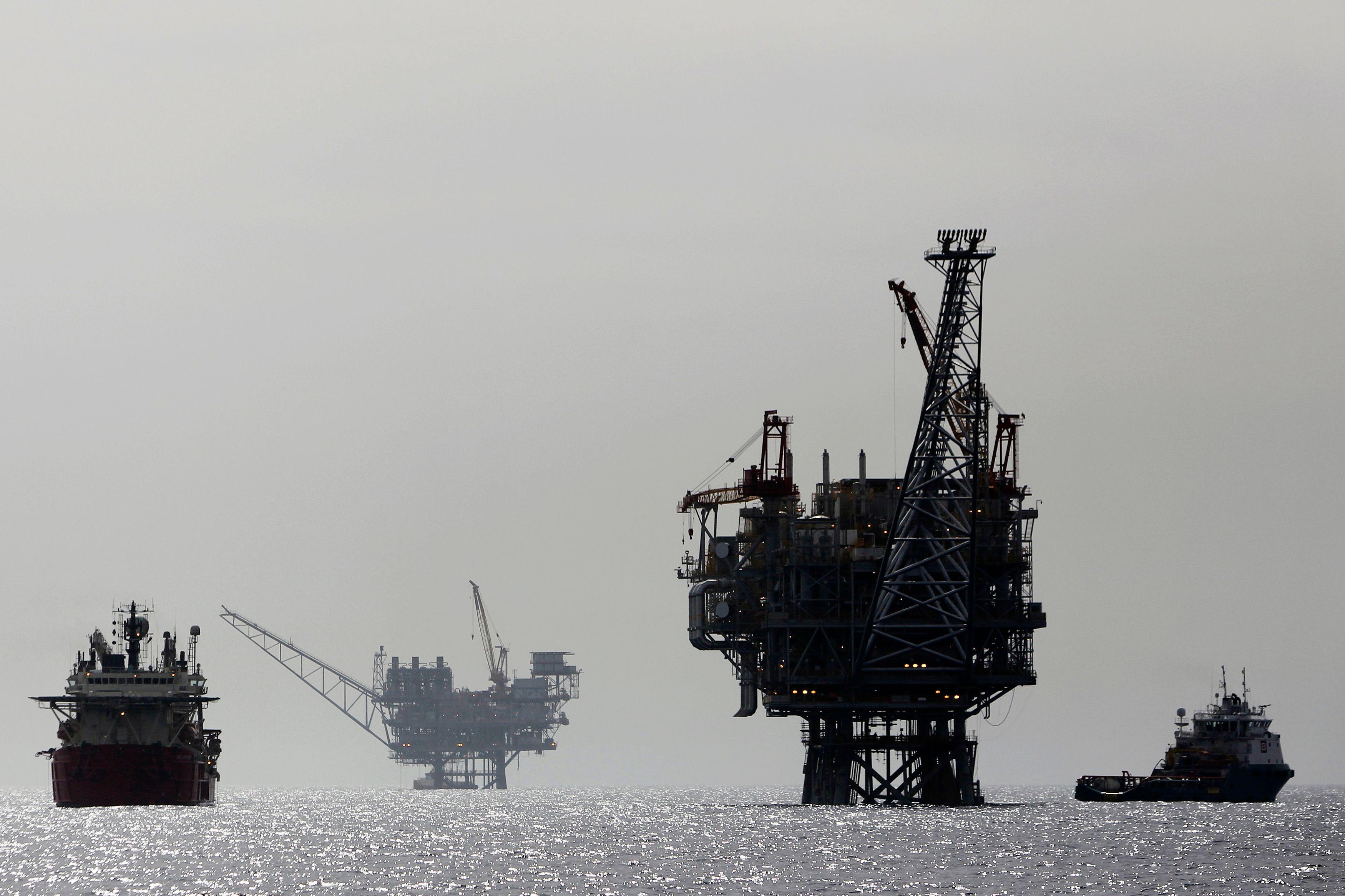 L'effondrement du prix du pétrole et la dégringolade des cours de l'or expliquent le bouleversement du monde