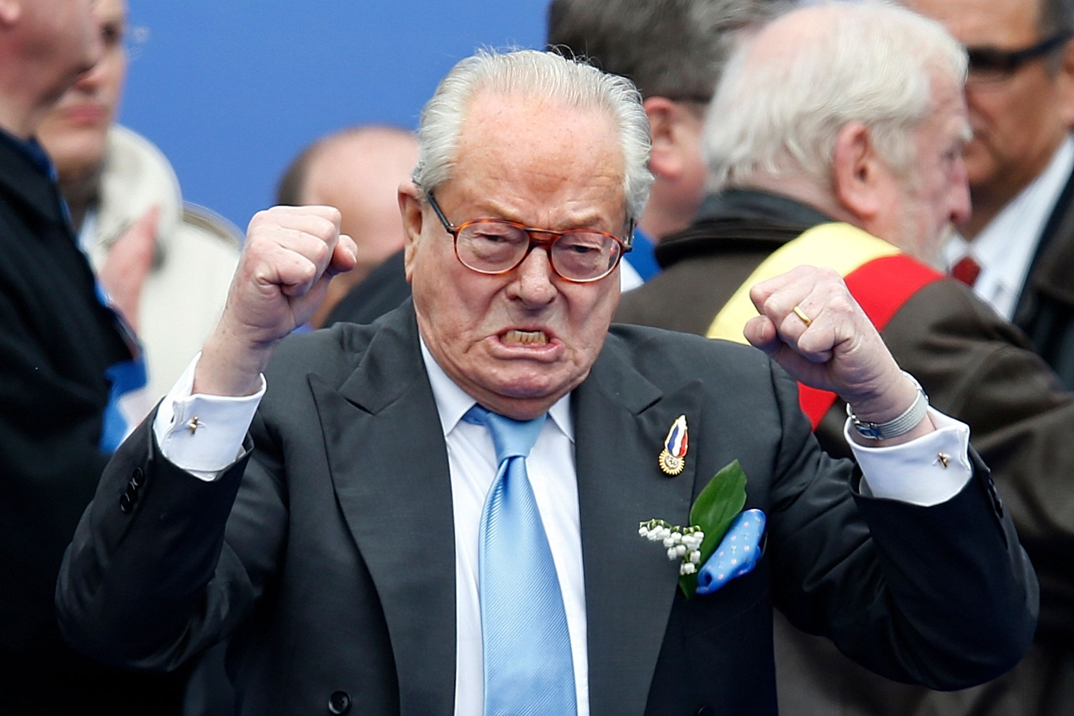 Jean-Marie Le Pen, qui avait suscité un tollé en juillet pour ses sorties sur les Roms, a récidivé mardi à Nice.