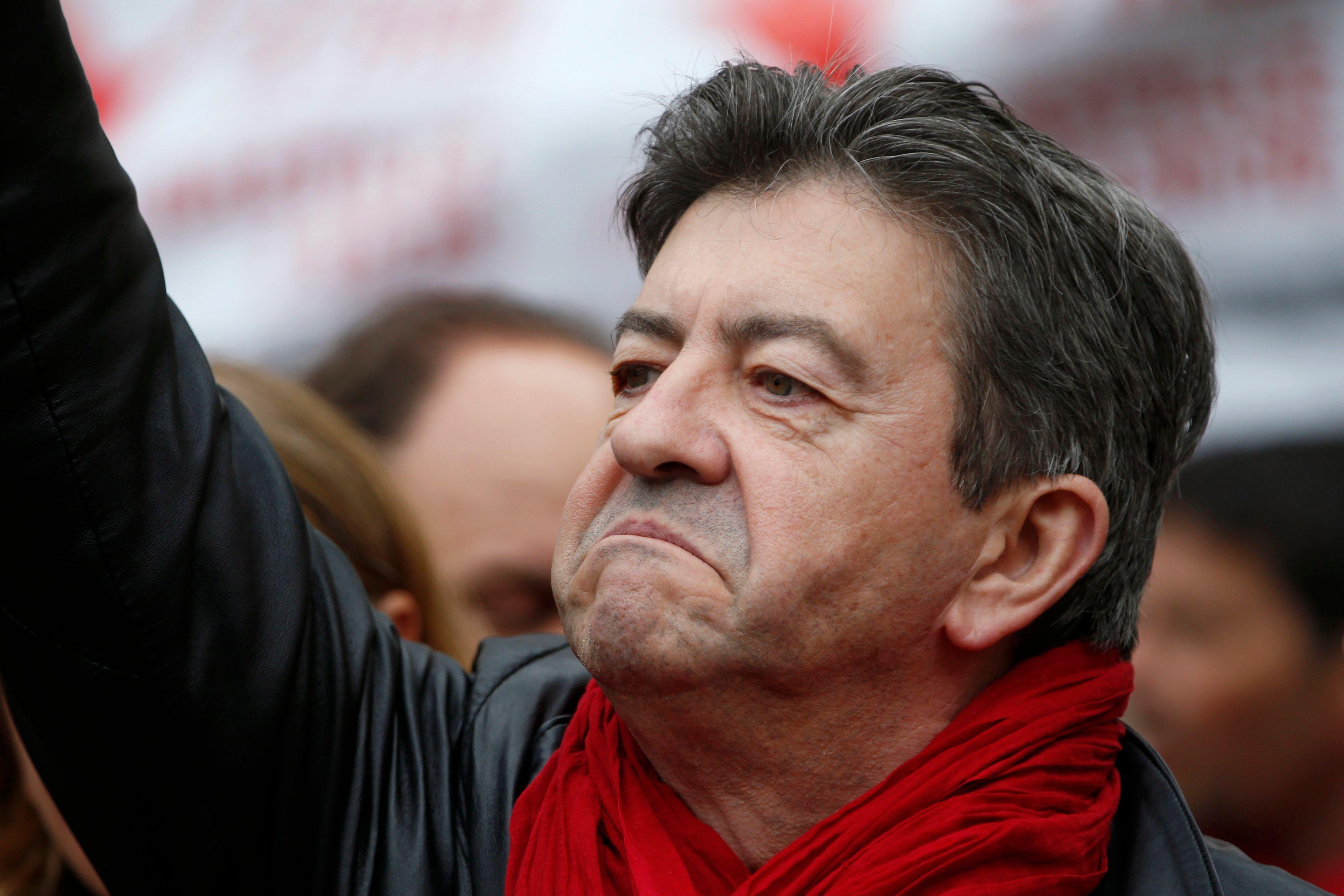 """Présidentielle 2017 : """"Choisissez et tranchez"""", répond Jean-Luc Mélenchon à Benoît Hamon"""