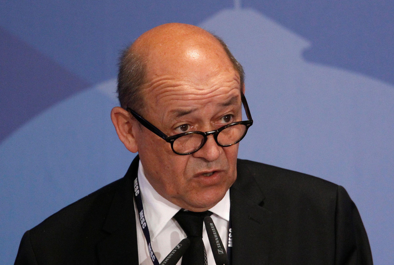 """Jean-Yves Le Drian : """"Je soutiens Emmanuel Macron, mais je reste socialiste"""""""