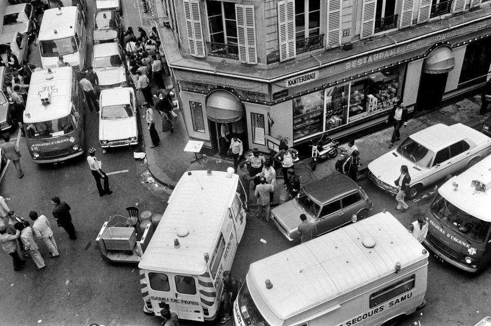 Attentat de la rue des Rosiers : un quart de siècle plus tard, la rose mitterrandienne pique encore