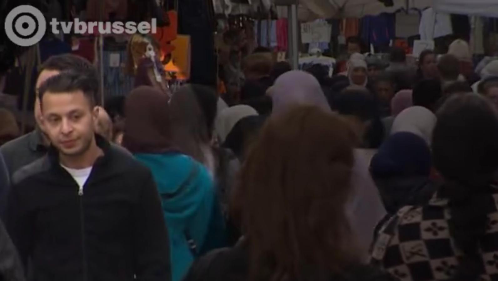 """Salah Abdeslam est """"un petit con de Molenbeek"""" et a """"l'intelligence d'un cendrier vide"""" selon son avocat"""