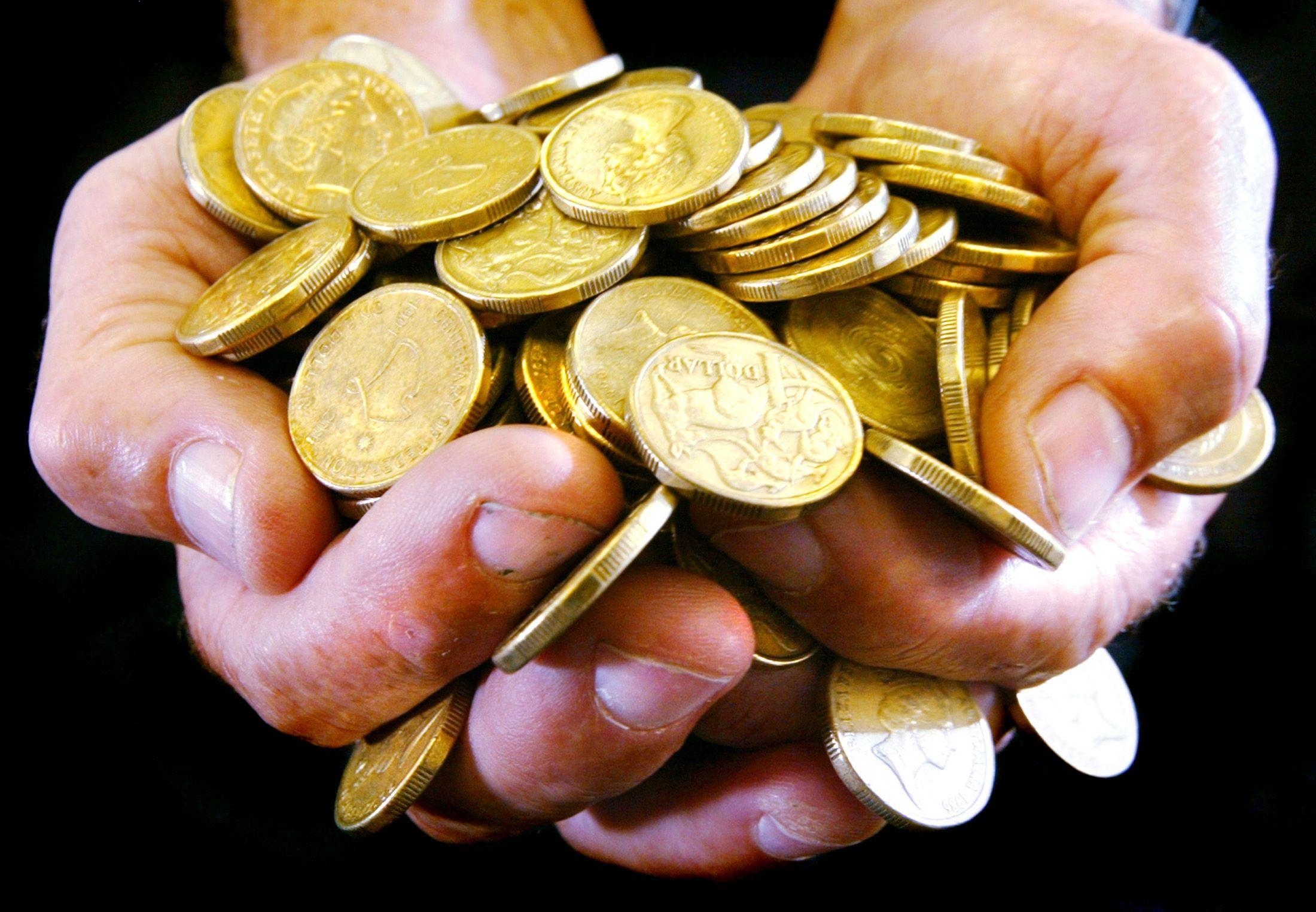 Des plongeurs ont découvert 2 000 pièces d'or dans les fonds marins du port antique de Césarée, en Israël.