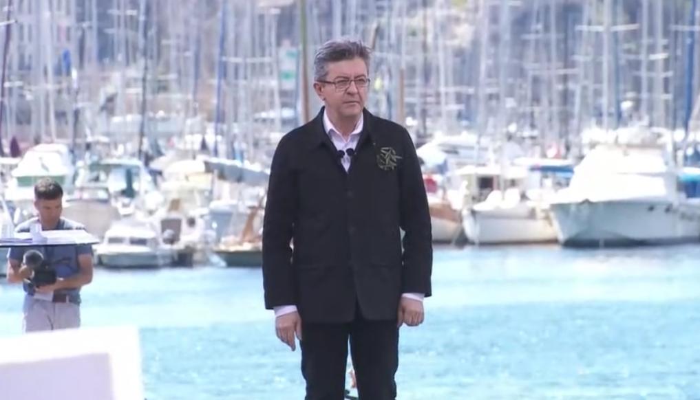 """Mélenchon appelle """"le peuple"""" à """"déferler à Paris"""" le 23 septembre"""