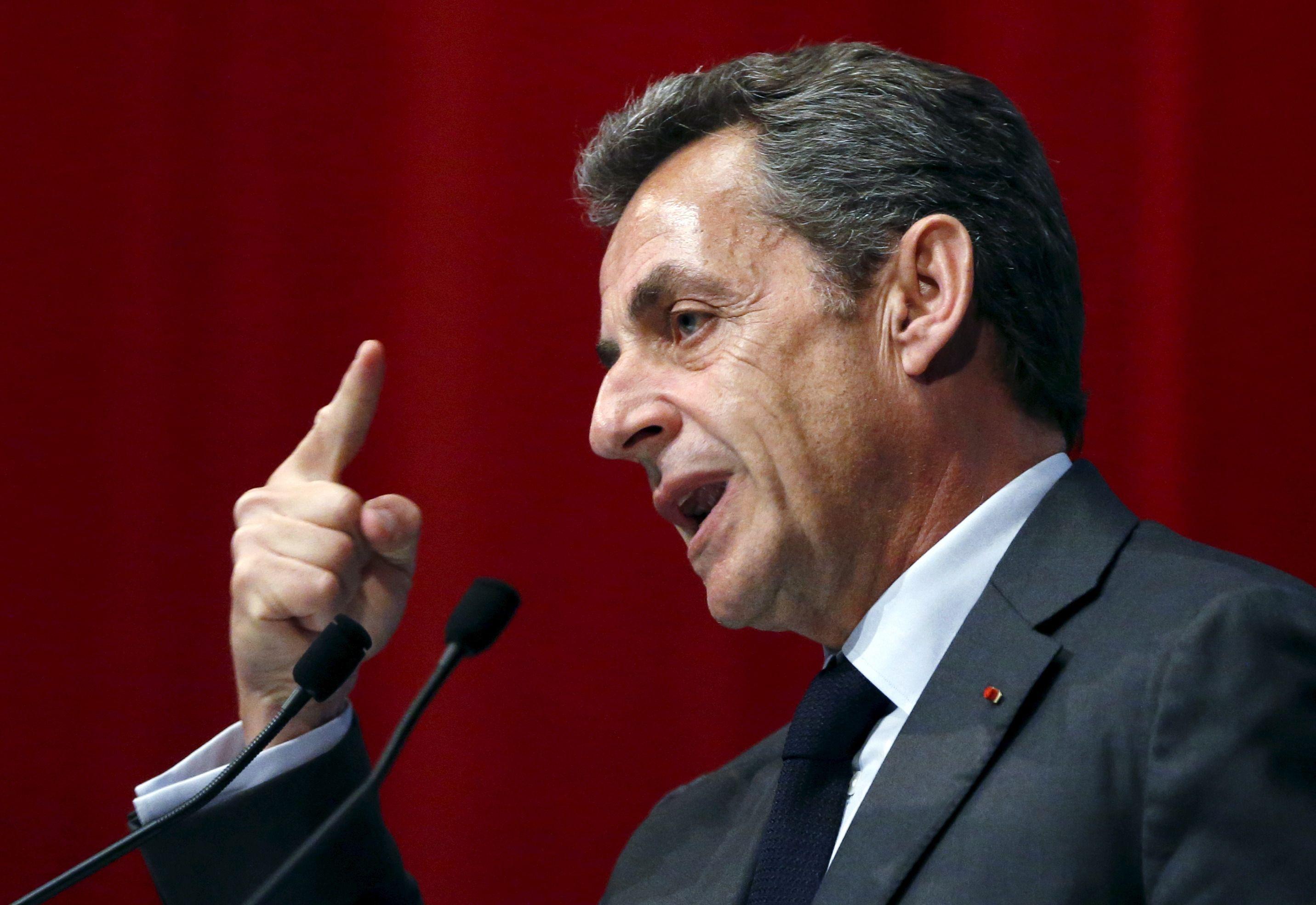 """""""Nous ne pouvons plus accepter des syndicats qui se comportent comme des partis politiques"""", estime également Nicolas Sarkozy."""