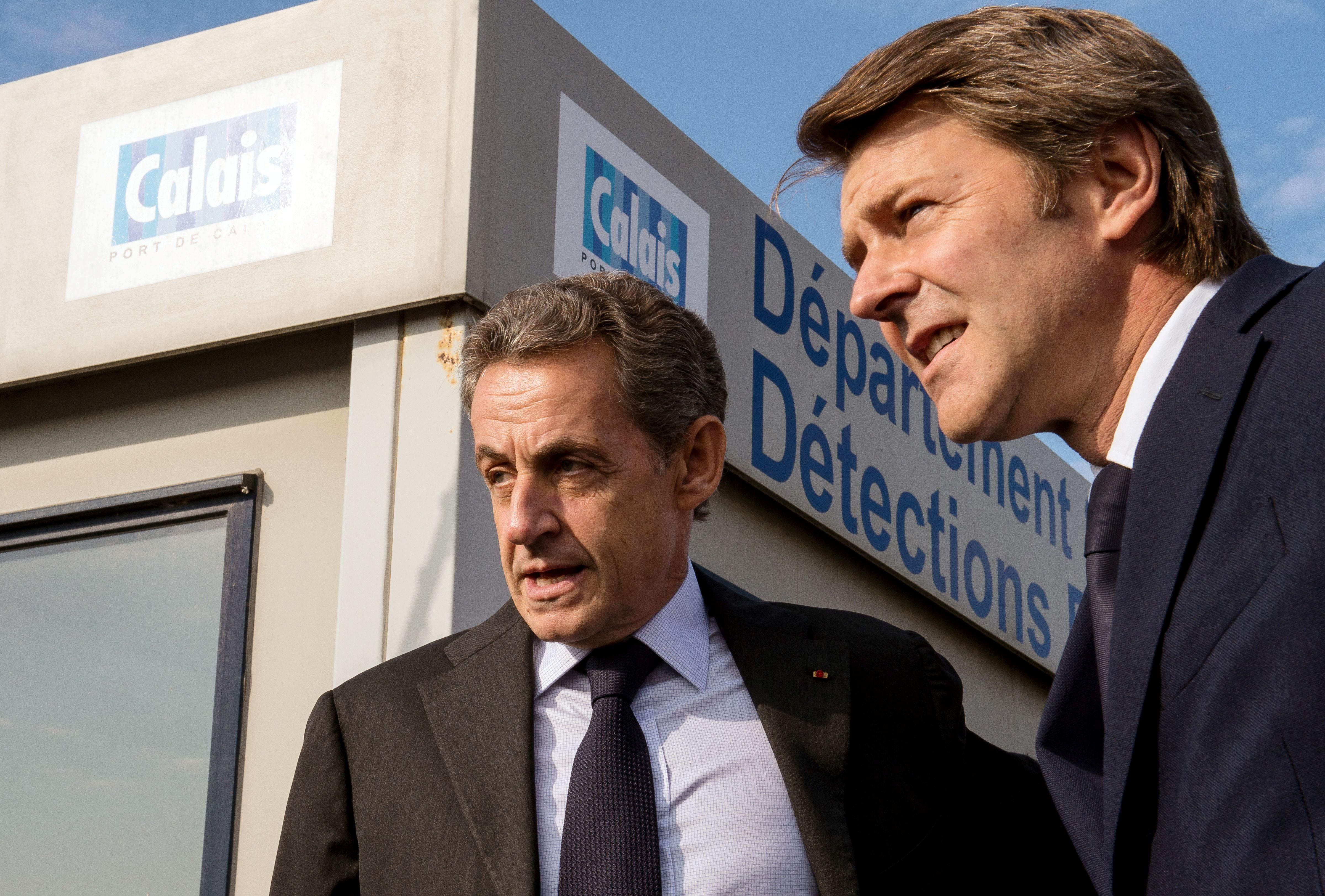 Sarkozy dans la jungle (de Calais)… Heureux comme Tarzan !