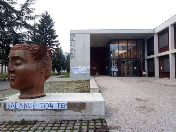 Deux professeurs de Sciences Po Grenoble ont été ciblés par des accusations injustifiées d'islamophobie. Les noms de deux professeurs accusés ont été placardés sur les murs de l'IEP.