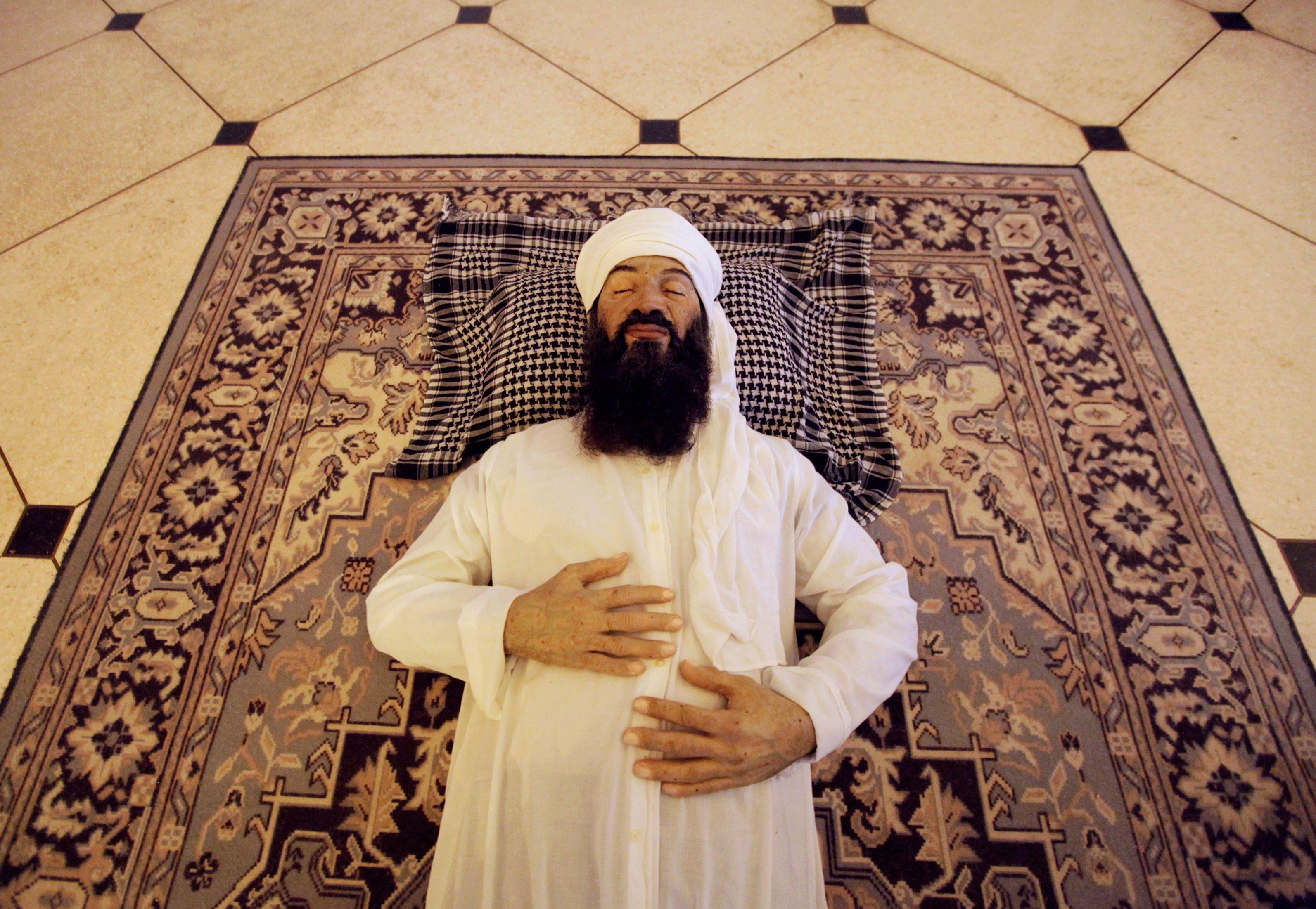 Une sculpture de Oussama Ben Laden mort créée par les artistes cubains Manolo Castro, Julio Lorente et Alberto Lorente.