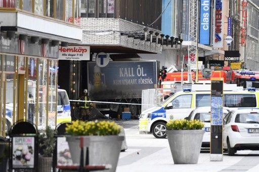 Attentat au camion-bélier à Stockholm : au moins 1 mort et 15 blessés, l'auteur toujours en fuite