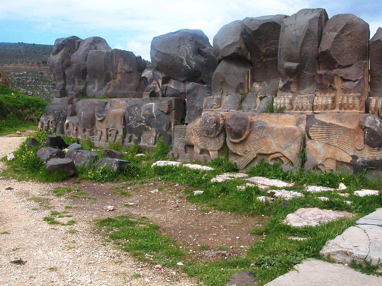 Syrie: un temple vieux de 3000 ans détruit par des bombardements turcs