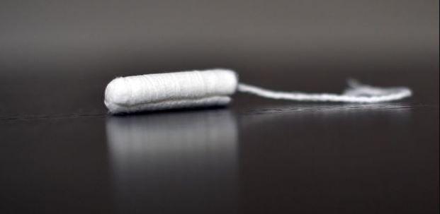 Un tampon hygiénique.