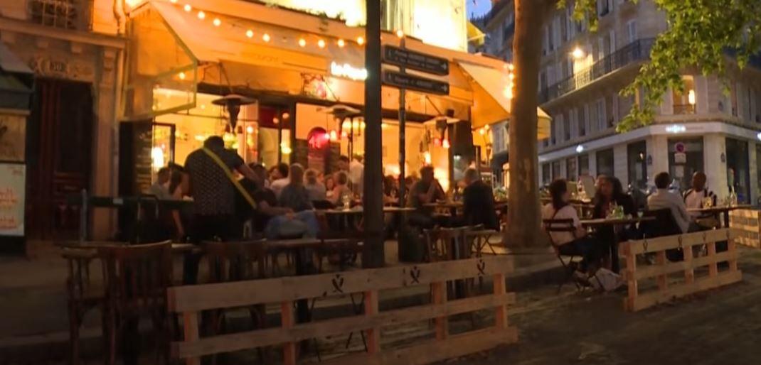 Les terrasses éphémères parisiennes vont devenir pérennes tous les étés du 15 mars au 15 octobre, à Paris.