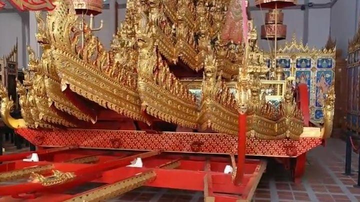 Thaïlande : le magnifique char en or du roi restauré pour son dernier voyage