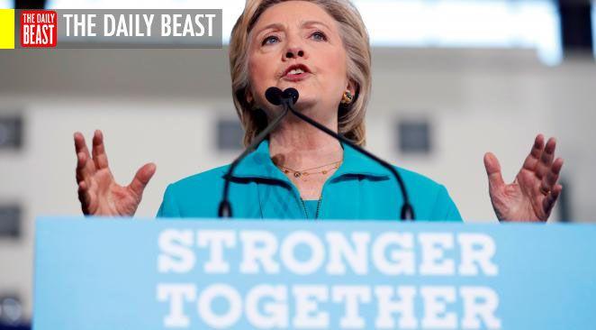 Ce qui compte le plus, c'est le ciblage : ou plus précisément, cibler deux groupes de personnes. Le noyau dur des électeurs d'Hillary et son staff de campagne feront en sorte qu'ils aillent bien voter, sans oublier les indécis.