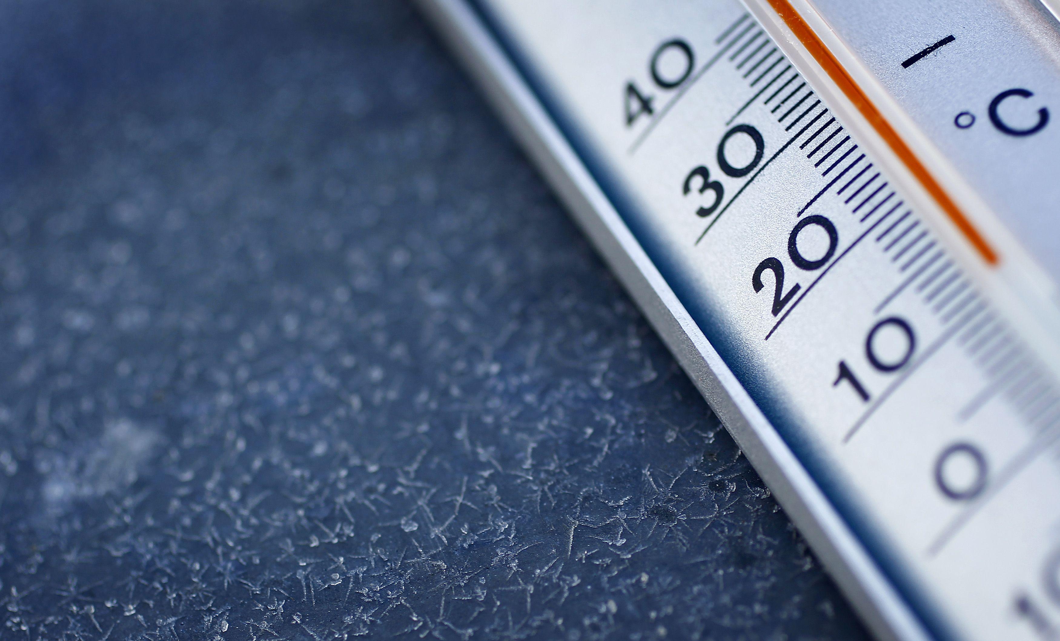 Quand le thermomètre augmente, les kilos diminuent.