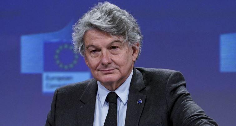 Thierry Breton, commissaire européen à l'Industrie, s'est exprimé sur Europe 1 sur la capacité de production des vaccins contre la Covid-19 à l'échelle européenne.