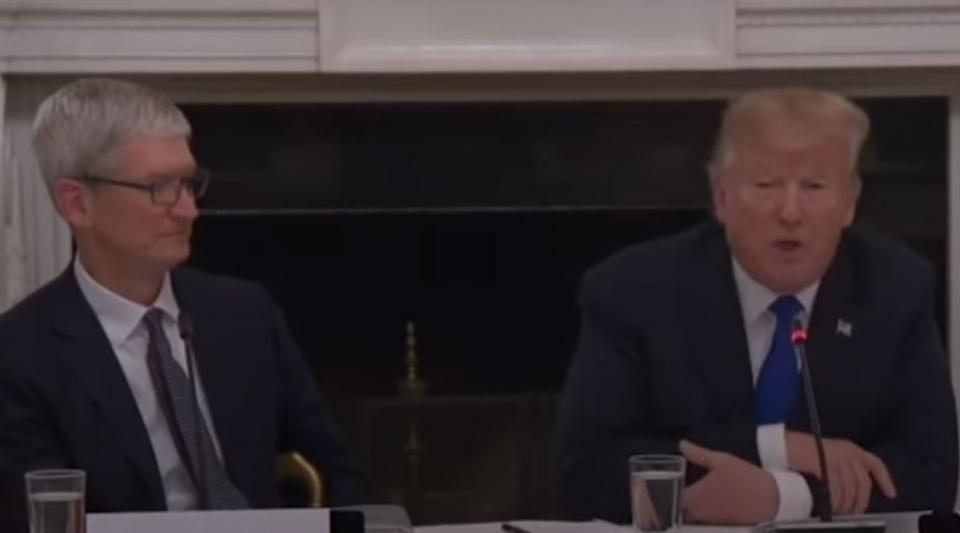 Donald Trump se trompe sur le nom de Tim Cook et le rebaptise Tim Apple