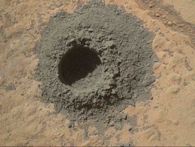 Et Curiosity creusait, creusait... La NASA à l'attaque du sous-sol martien