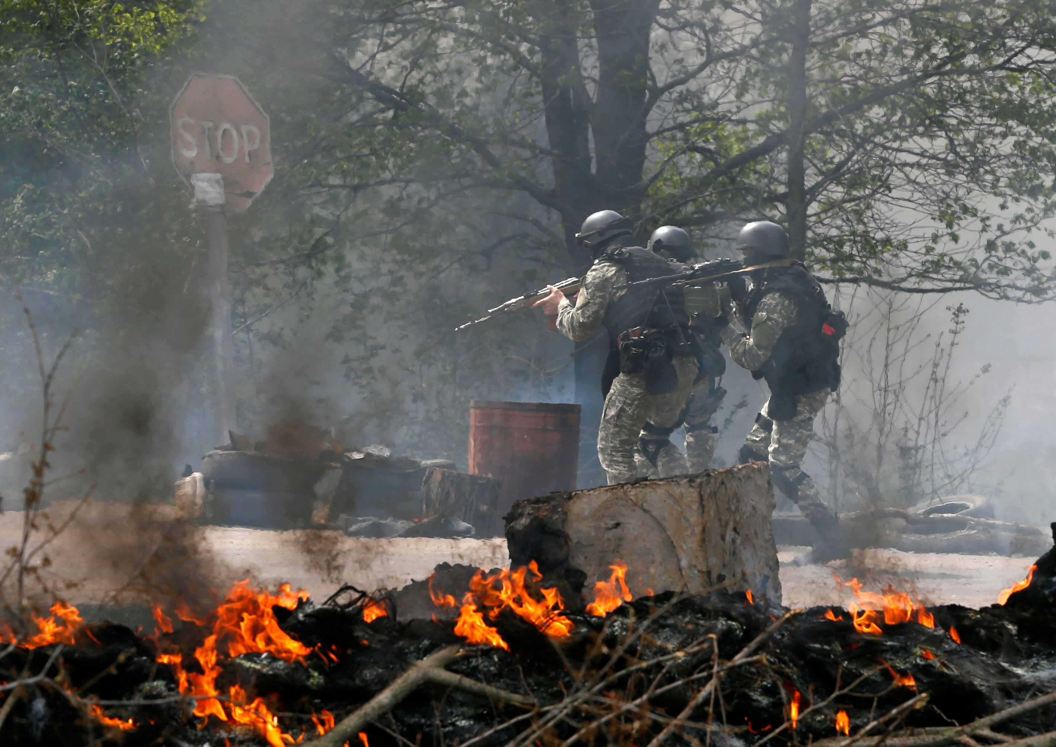 Les forces armées ukrainiennes avancent dans Sloviansk
