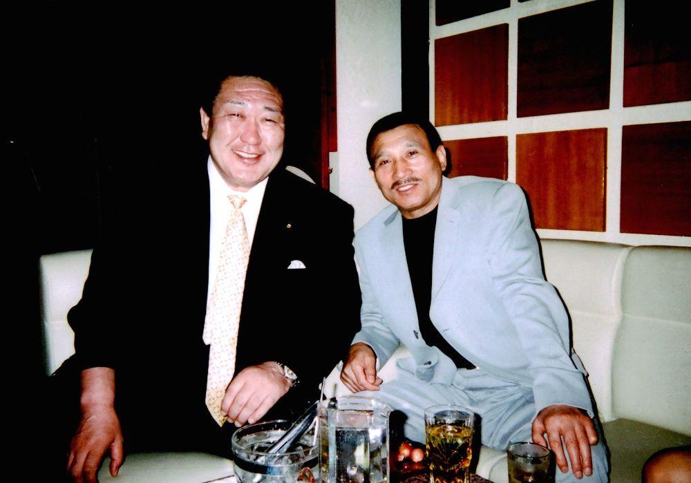 Hidetoshi Tanaka (à gauche) et Shinobu Tsukasa (à droite)