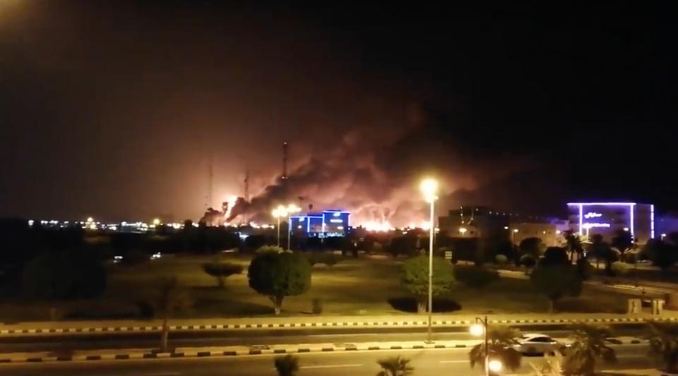 Sites pétroliers attaqués en Arabie Saoudite : la production mondiale de pétrole ralentie
