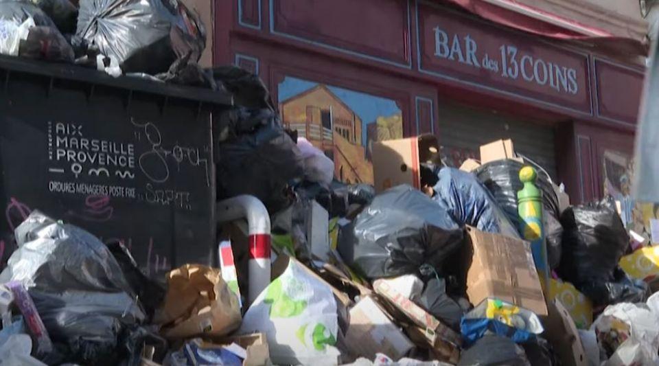 Marseille poubelles déchets