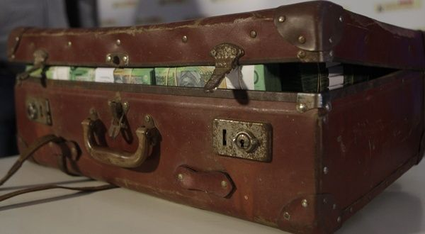 Avec plus de 103 millions d'euros saisis au premier trimestre, les saisies aux frontières d'argent liquide non déclaré ont bondi de 500% par rapport au premier trimestre 2012.